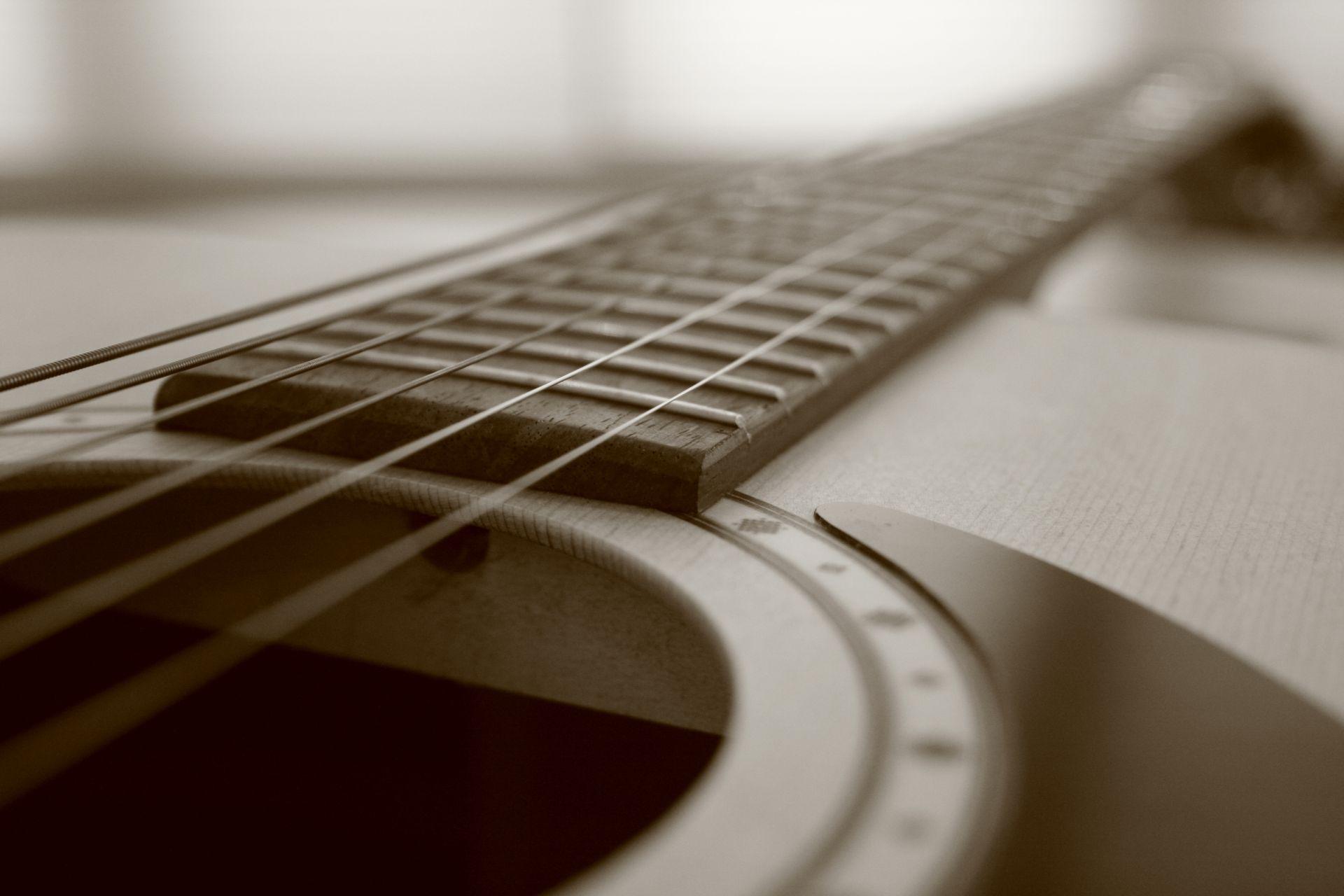 Acoustic Guitar strings, Download Wallpaper