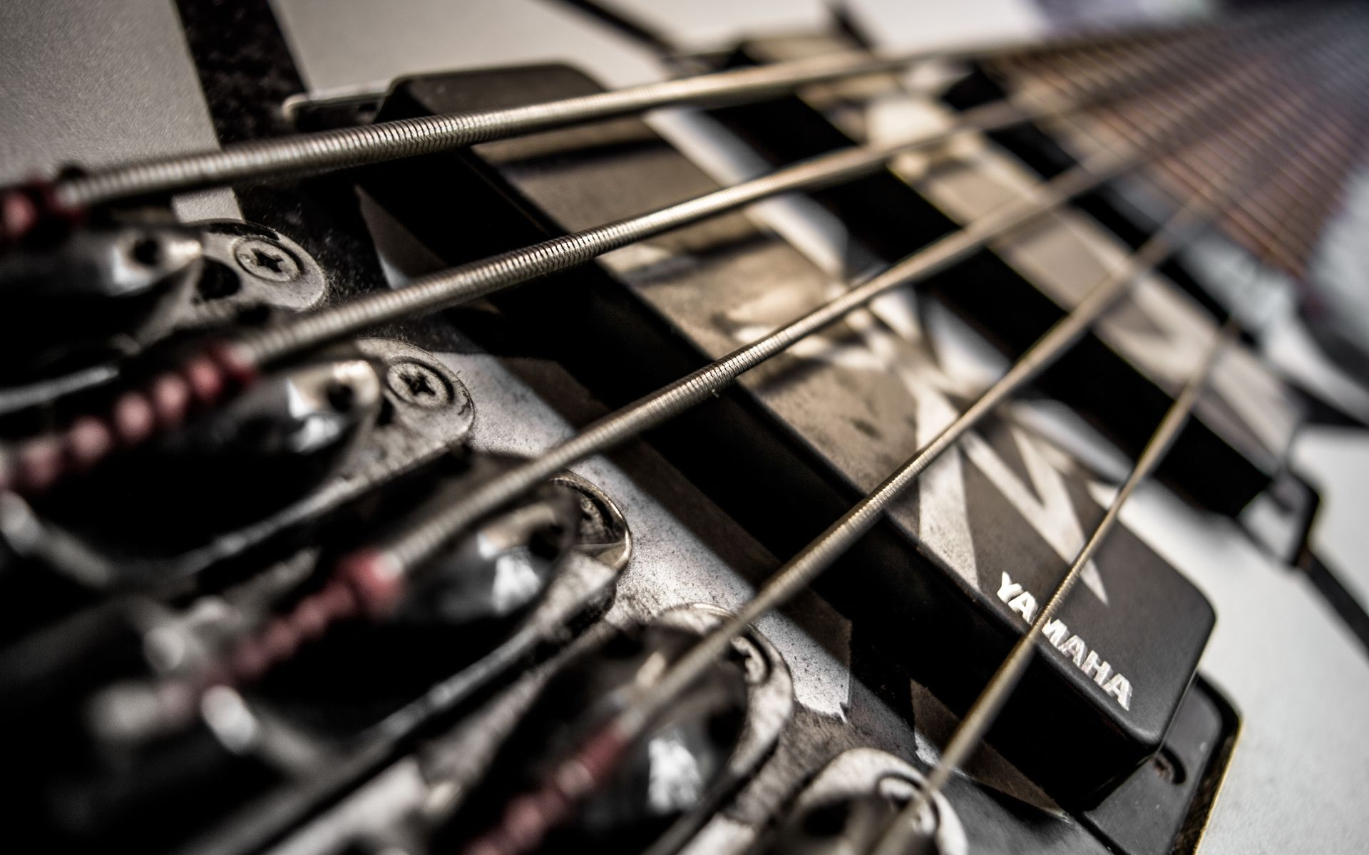 Electric Guitar strings, Picture