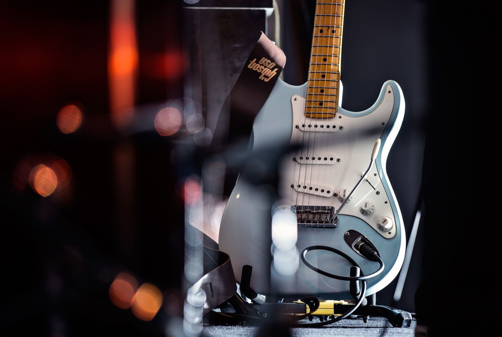 Electric Guitar white, Background