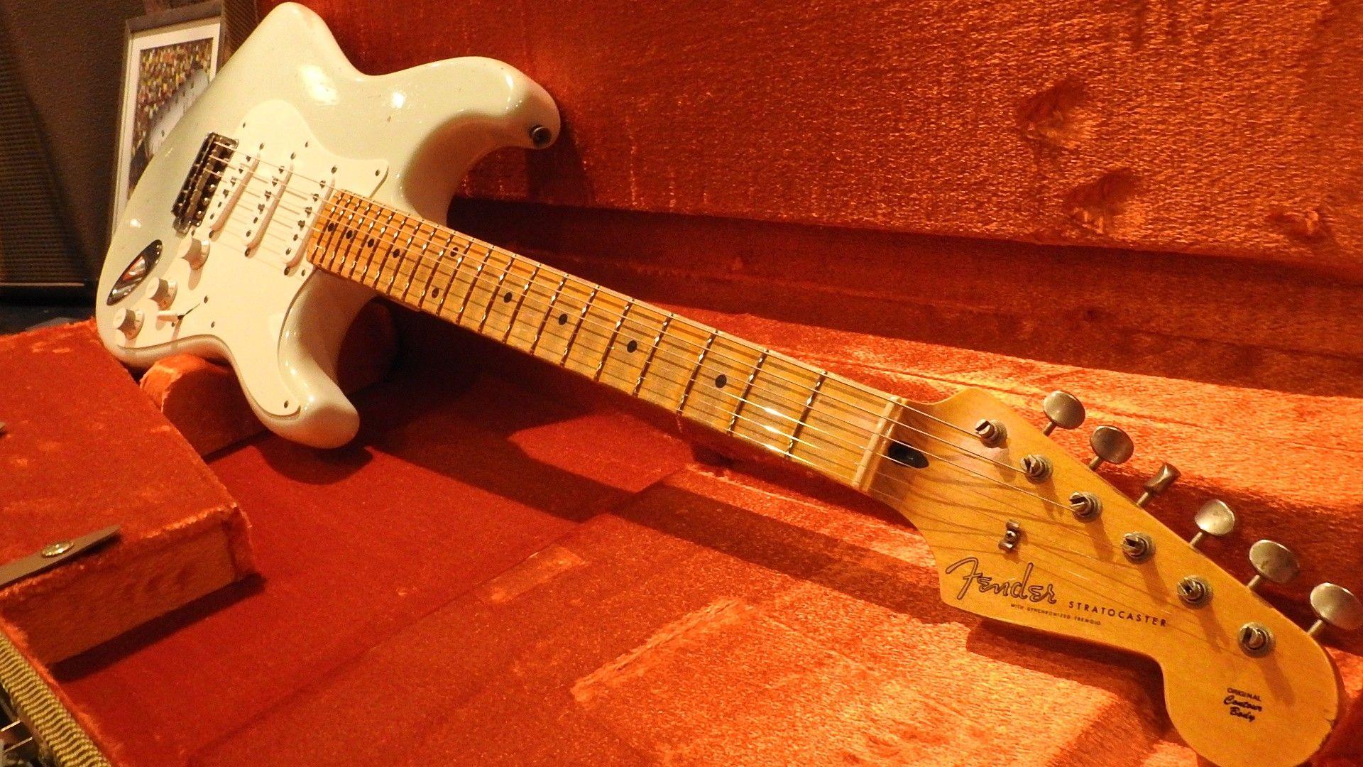 Fender Guitar, Image