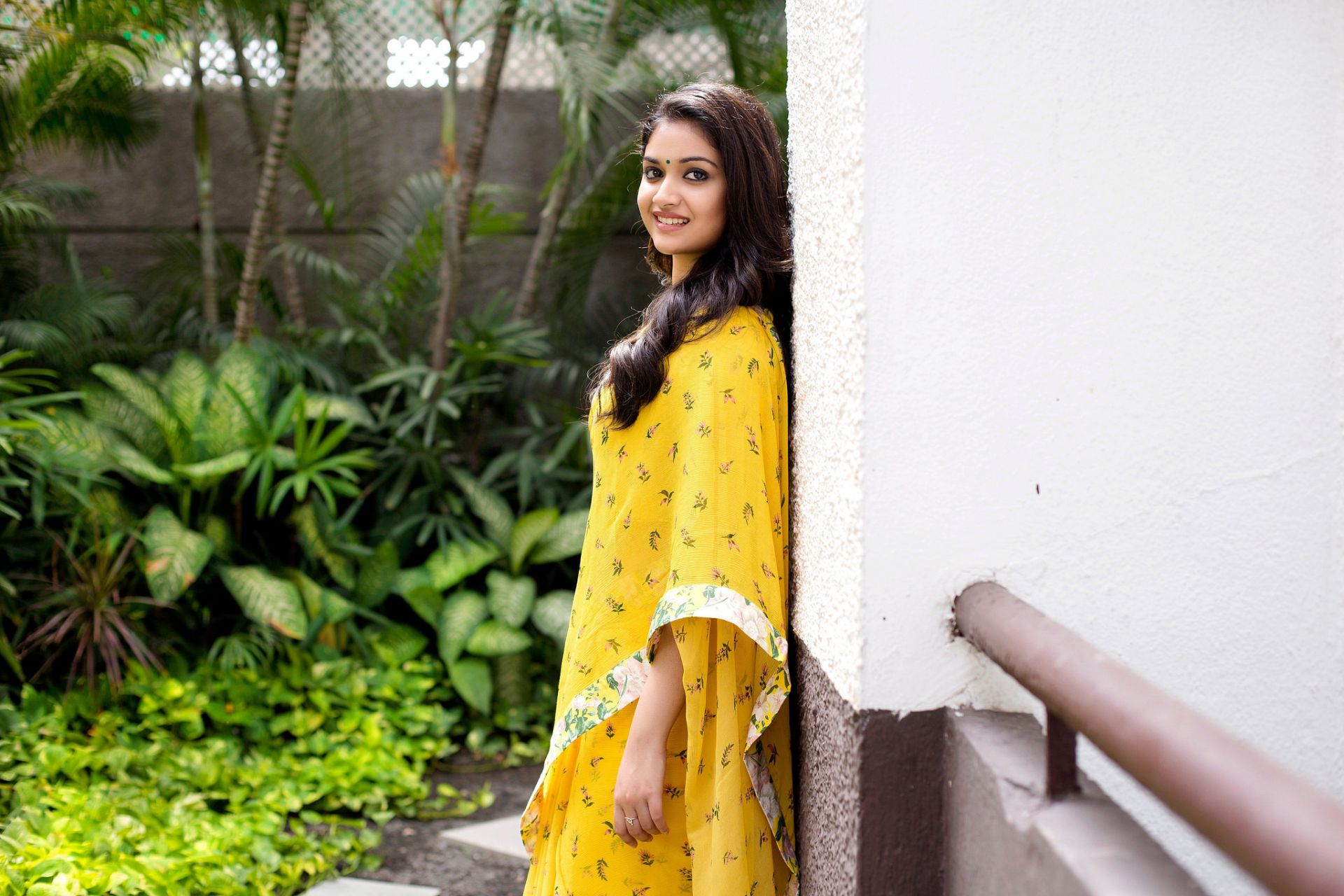 Keerthi Suresh, Good Wallpaper