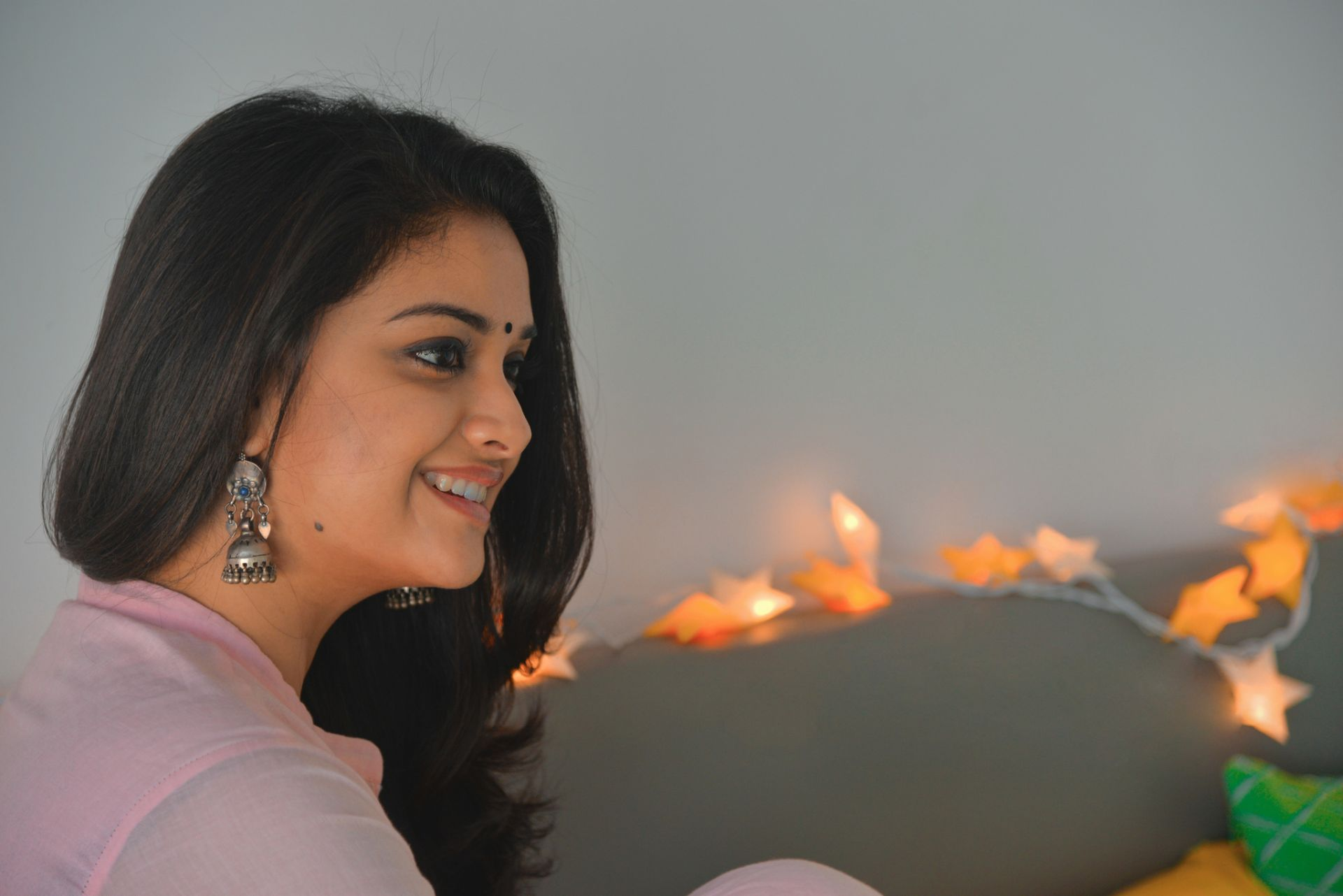 Keerthi Suresh, PC Wallpaper