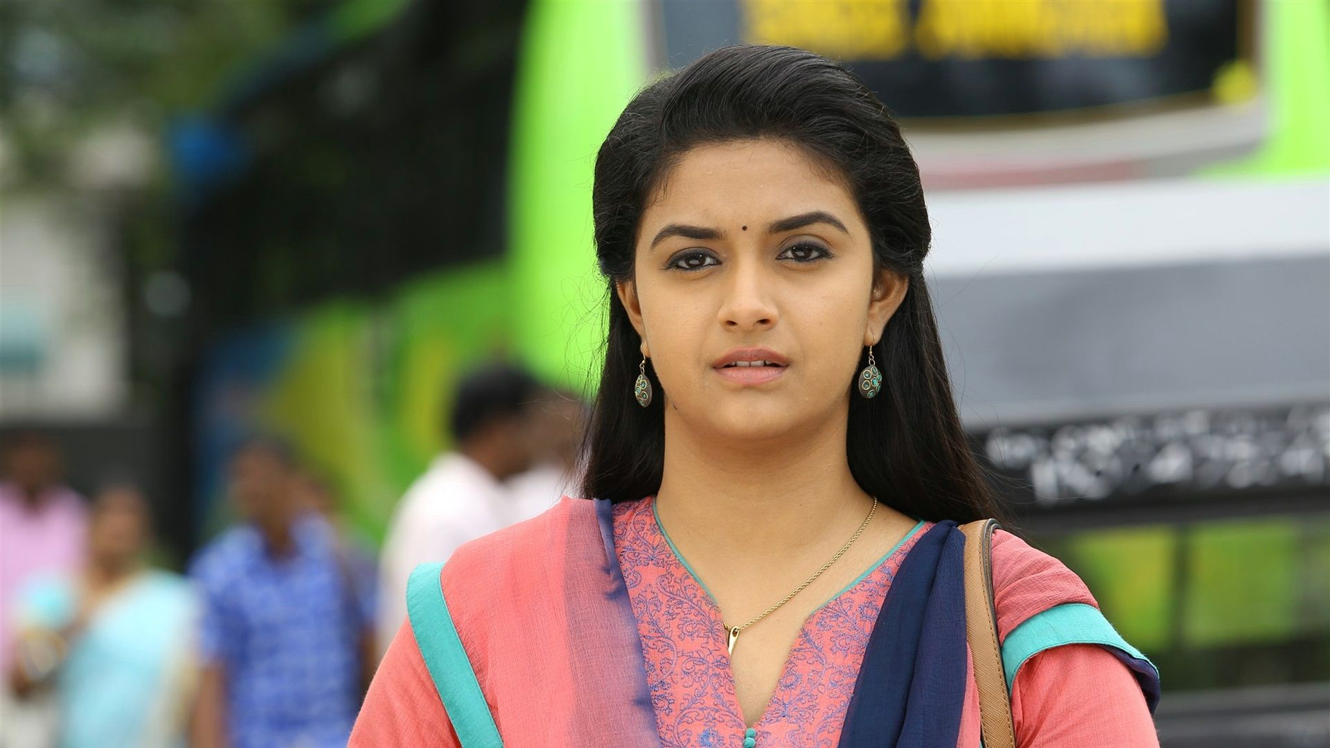 Keerthi Suresh, Background Wallpaper HD