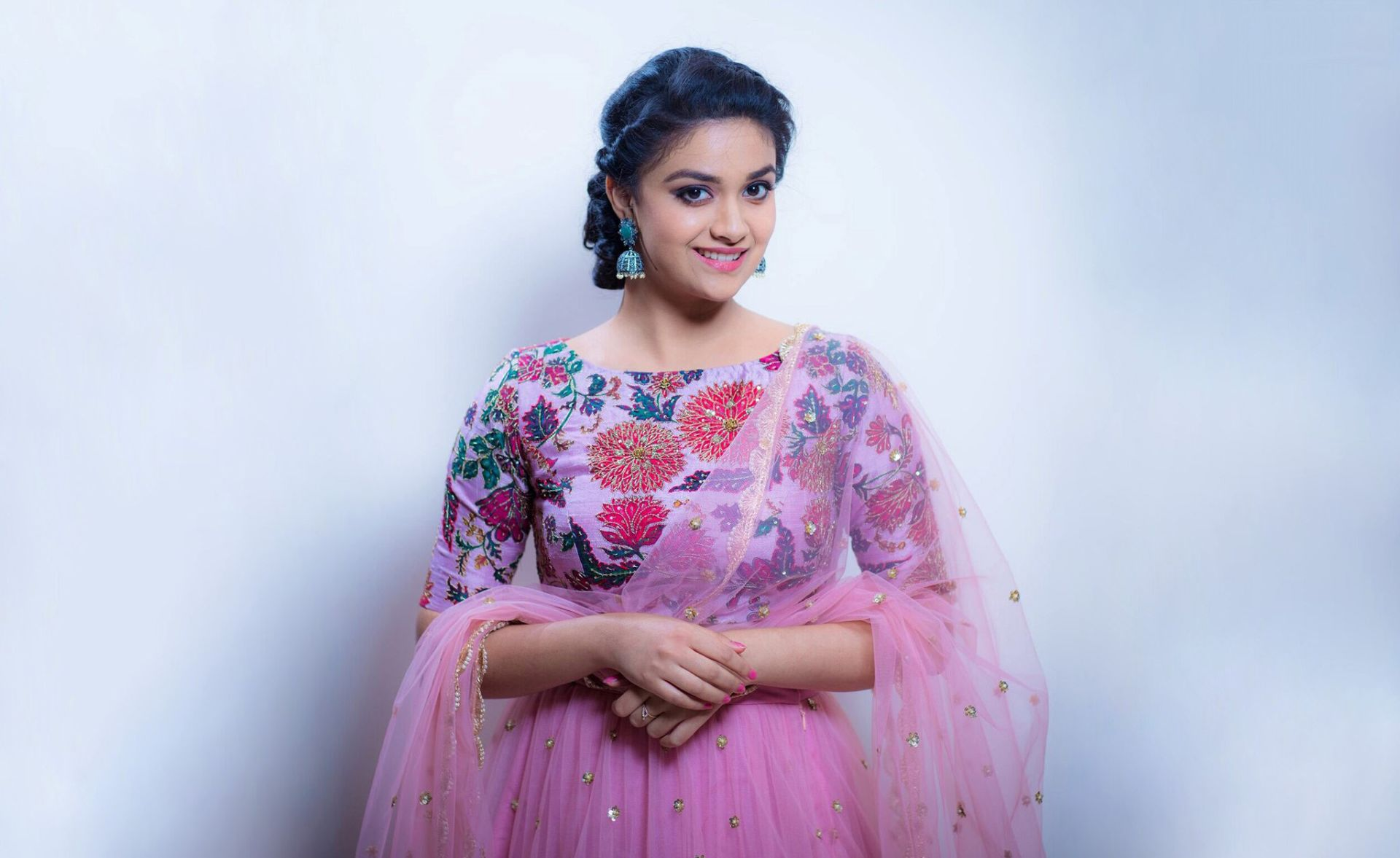 Keerthi Suresh, Free Desktop Wallpaper