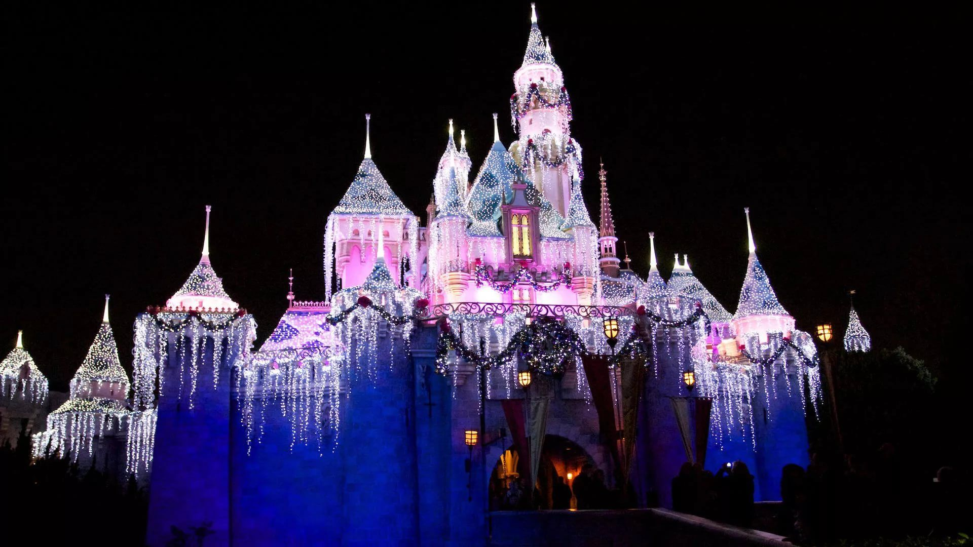 Disney Christmas Background Wallpaper HD