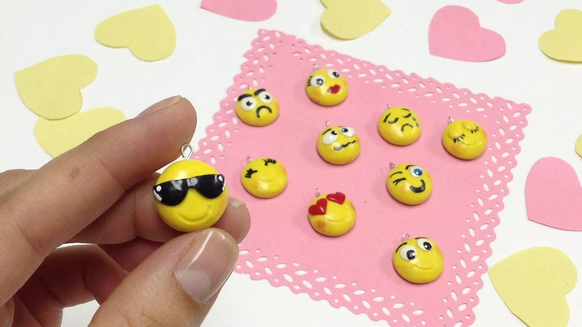 Cute Emoji Download Wallpaper