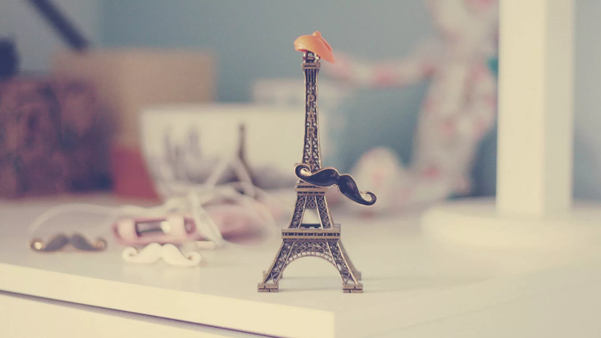 Cute Paris background wallpaper