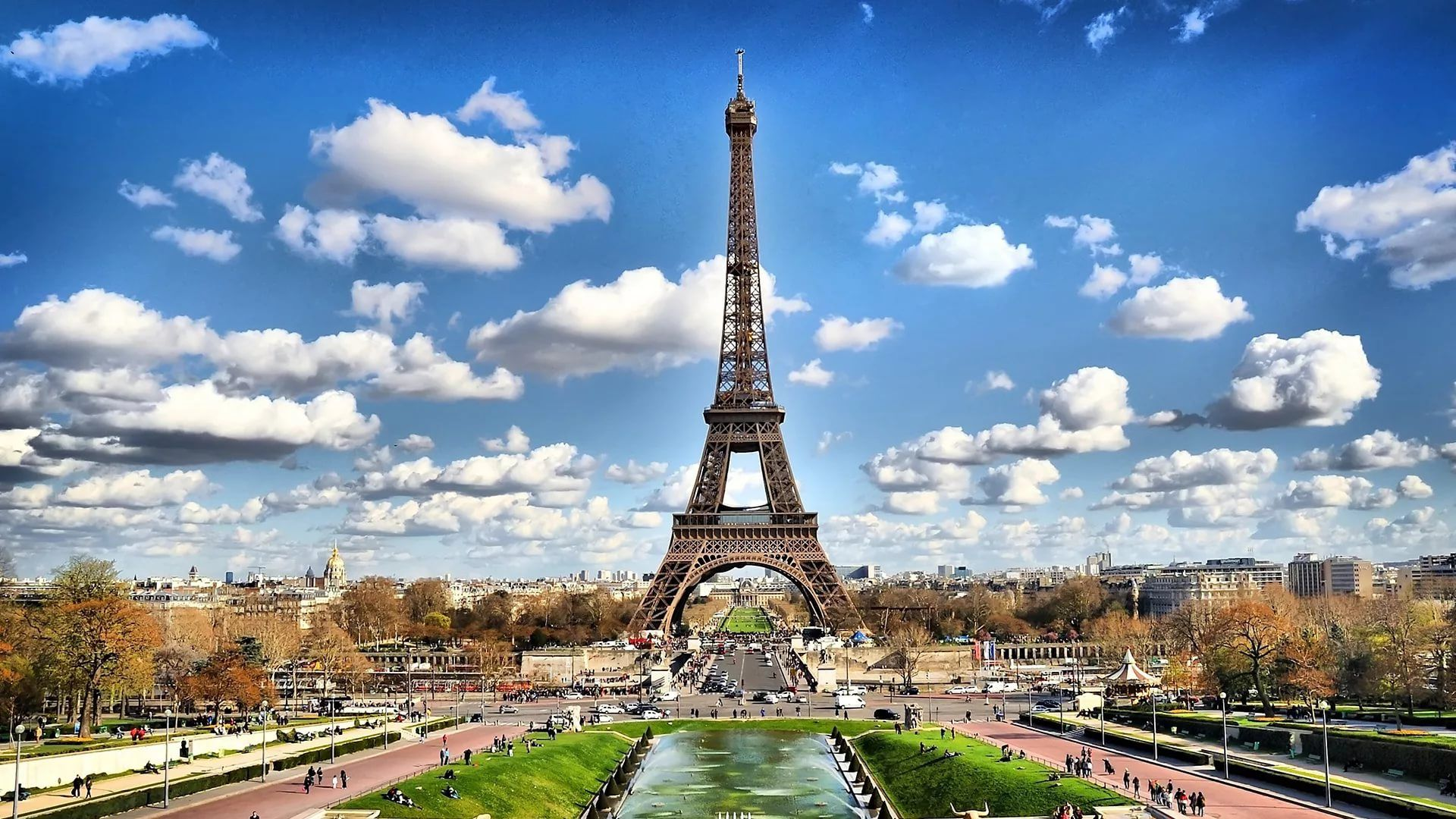 Cute Paris Free Download Wallpaper