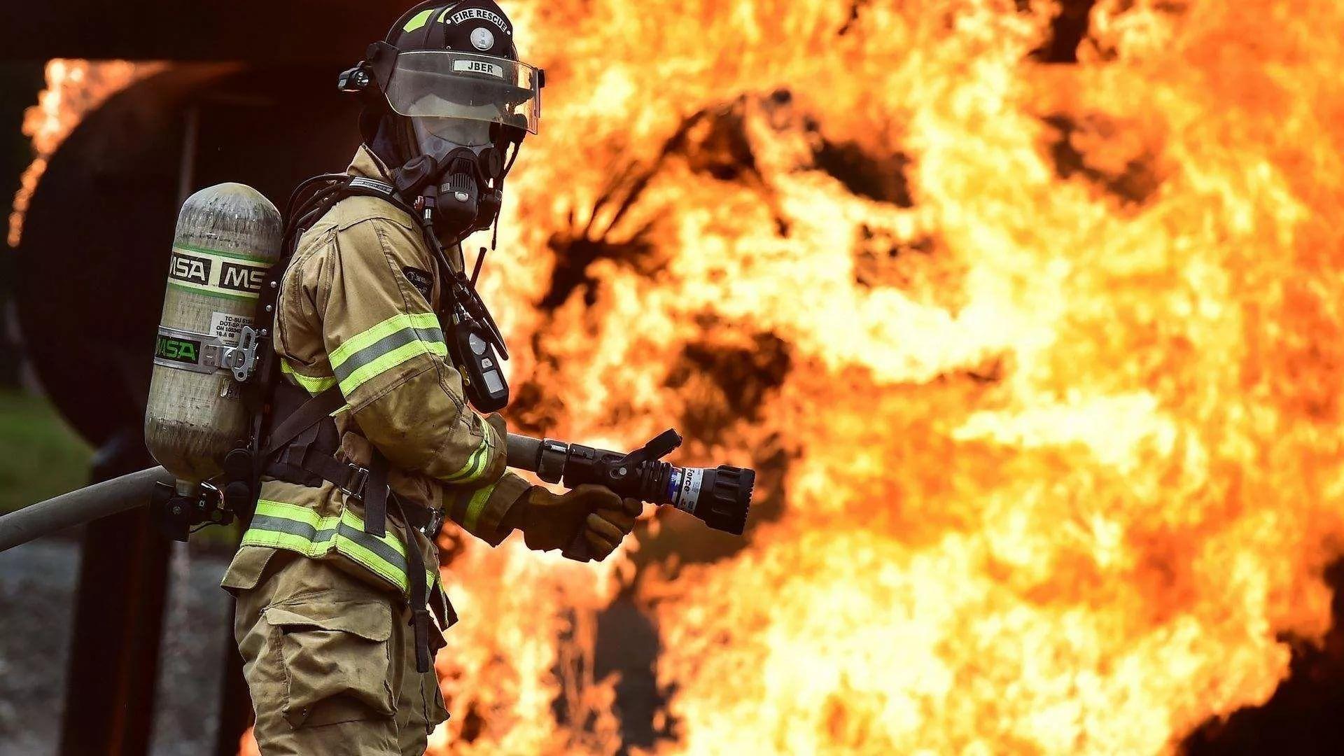 Firefighter PC Wallpaper