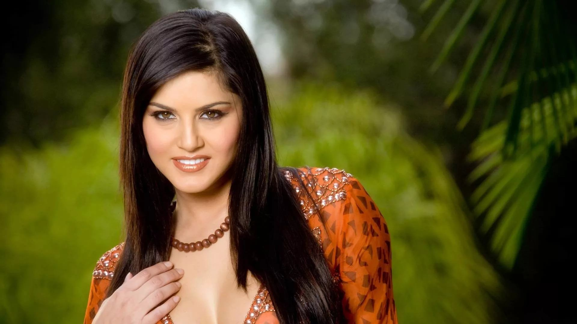 Sunny Leone Download hd desktop wallpaper
