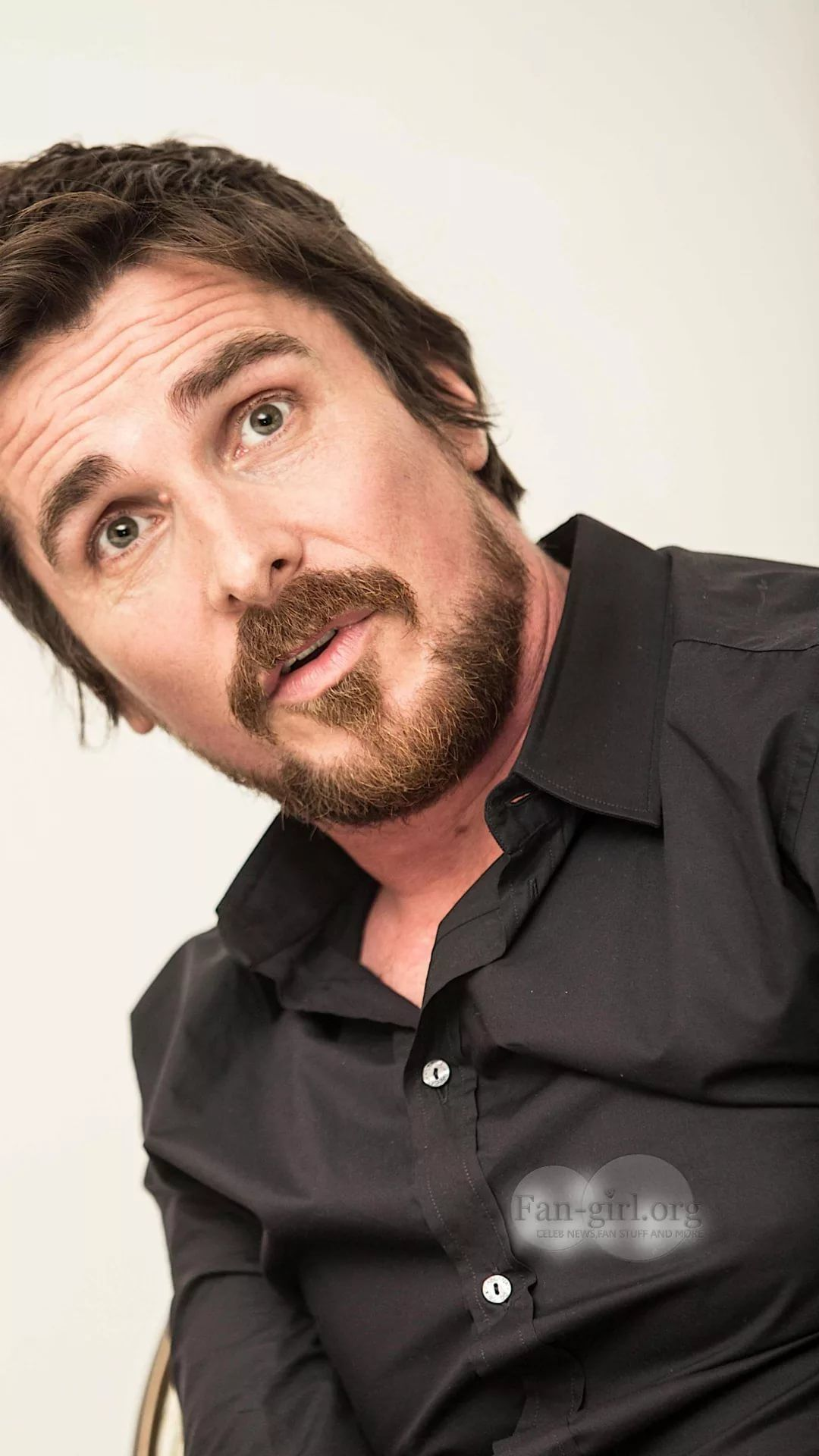 Christian Bale iPhone 5 wallpaper