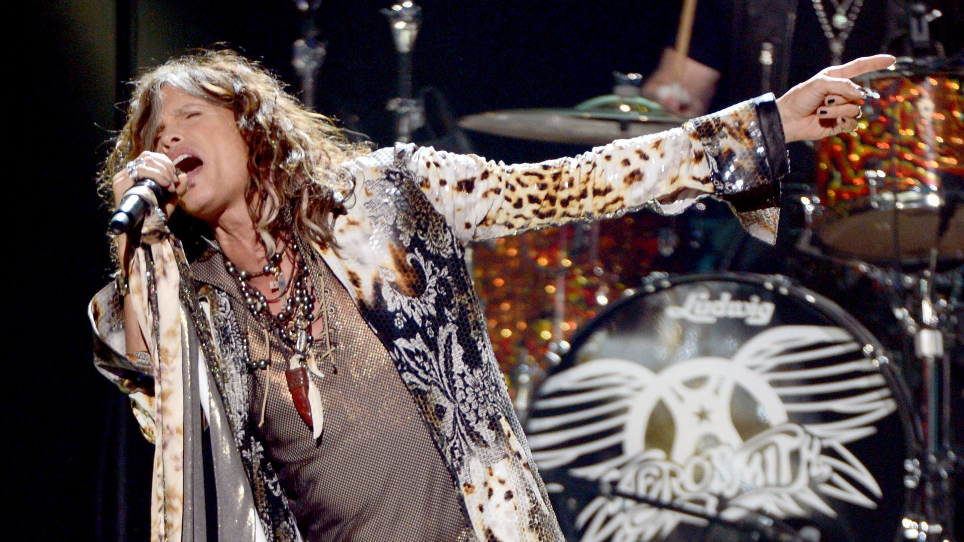 Steven Tyler Tells Trump To Not Use Aerosmith Songs At His Rallies Again( )