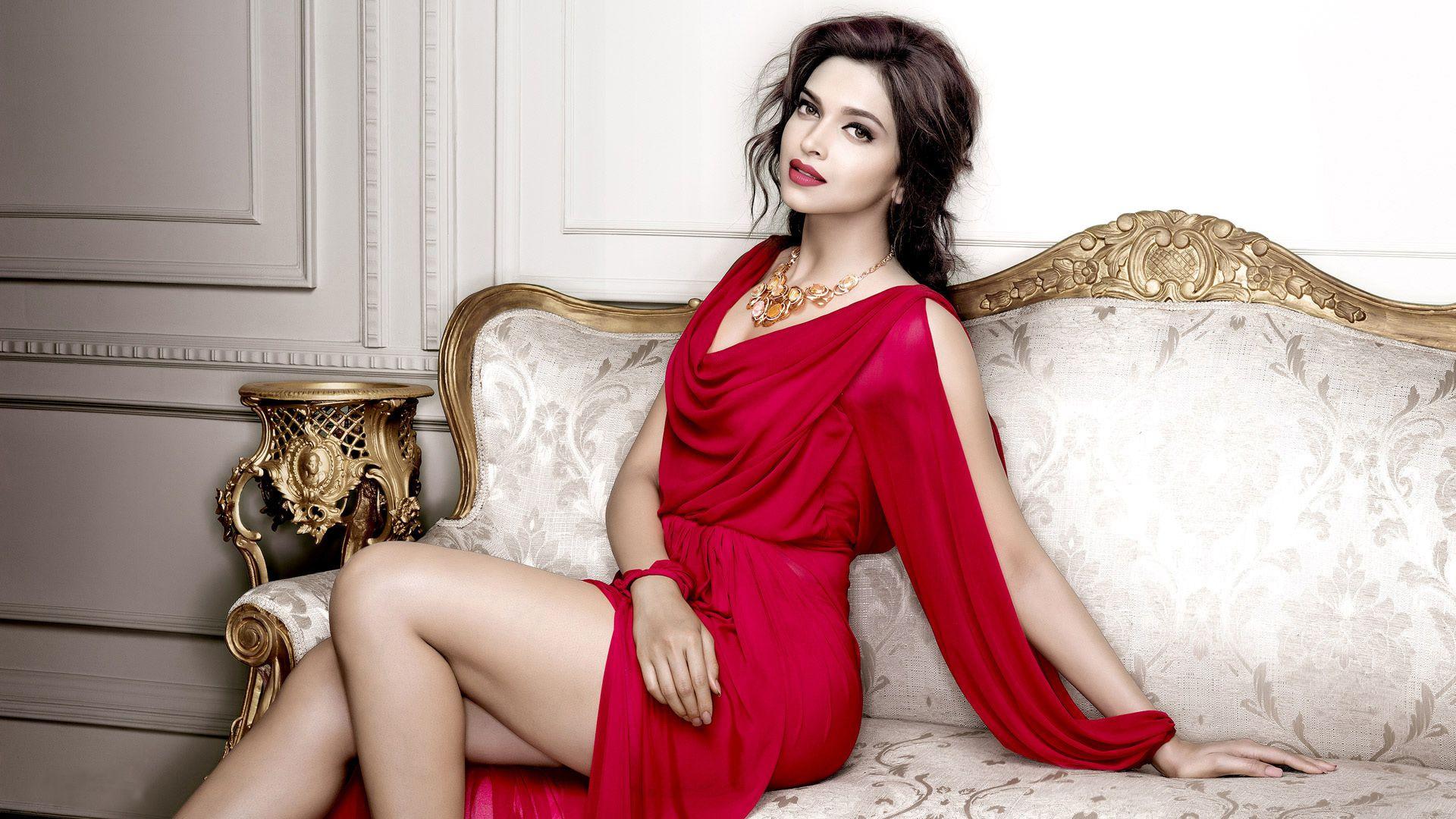 Deepika Hot Padukone
