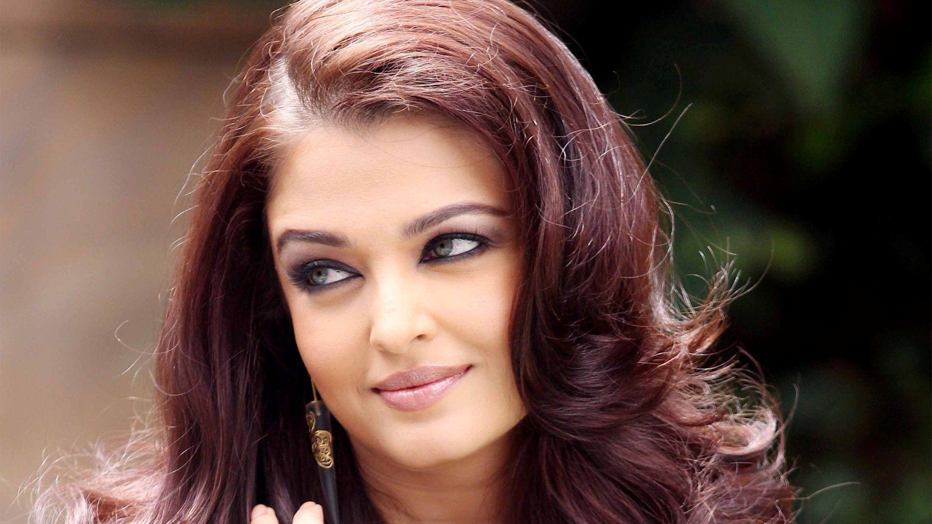 Indian Actress Aishwarya Rai 1
