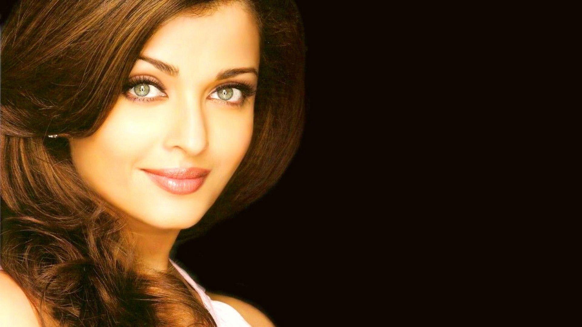 Indian Actress Aishwarya Rai Photo 1