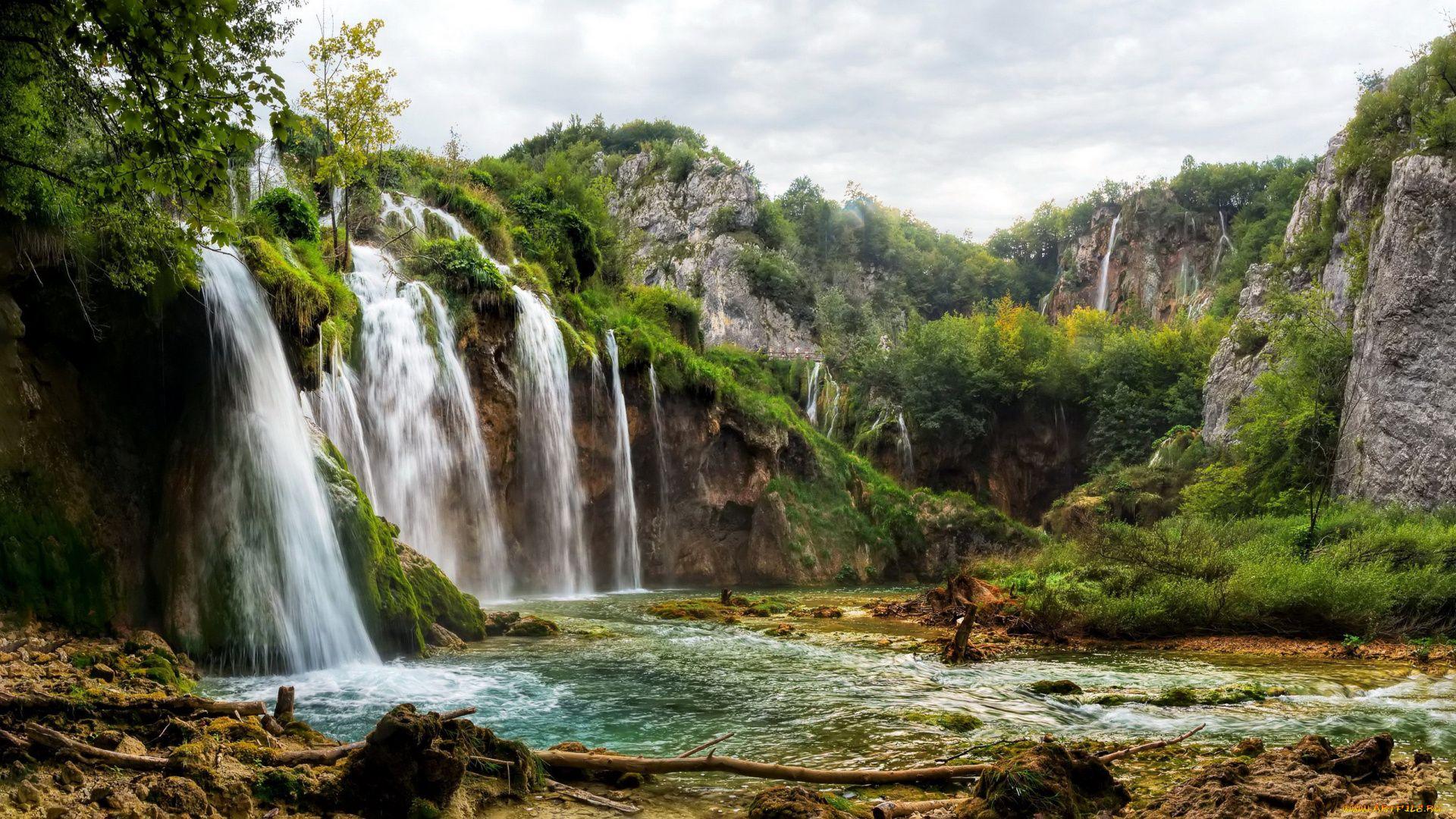 Wallpaper Mountain Waterfalls