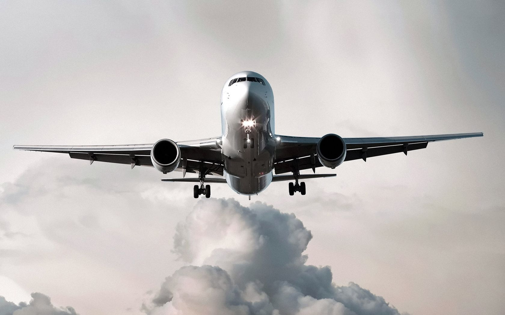 A Plane Taking Off Images 2