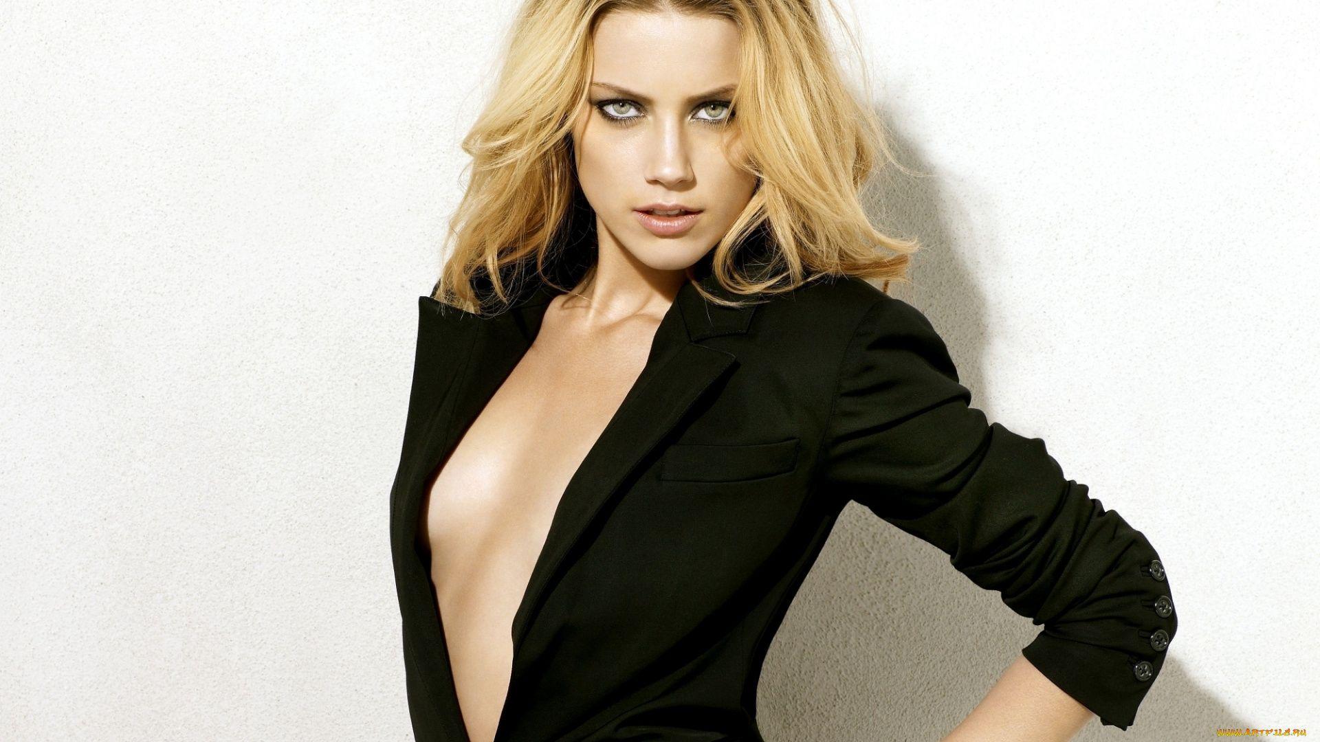 Amber Heard Photo Hot