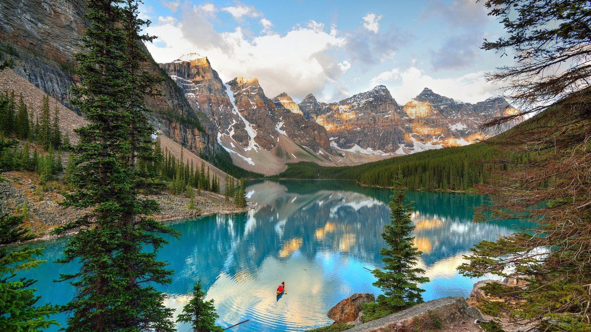 Moraine Lake Canada Wallpaper