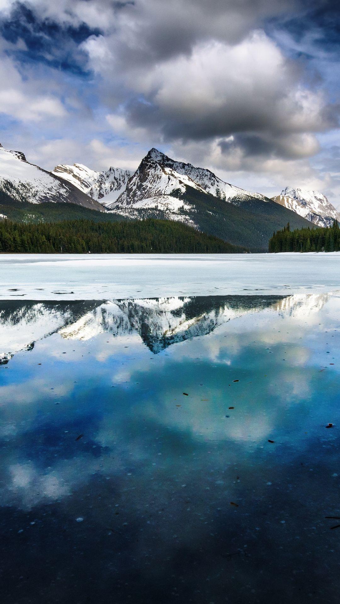 Mountain Scenery Iphone X