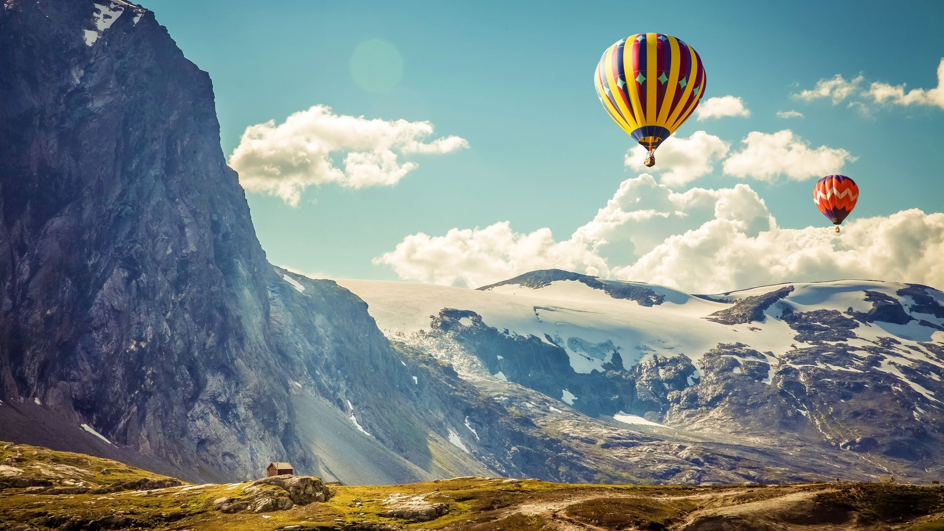 Photography With Balloon In The Mountains