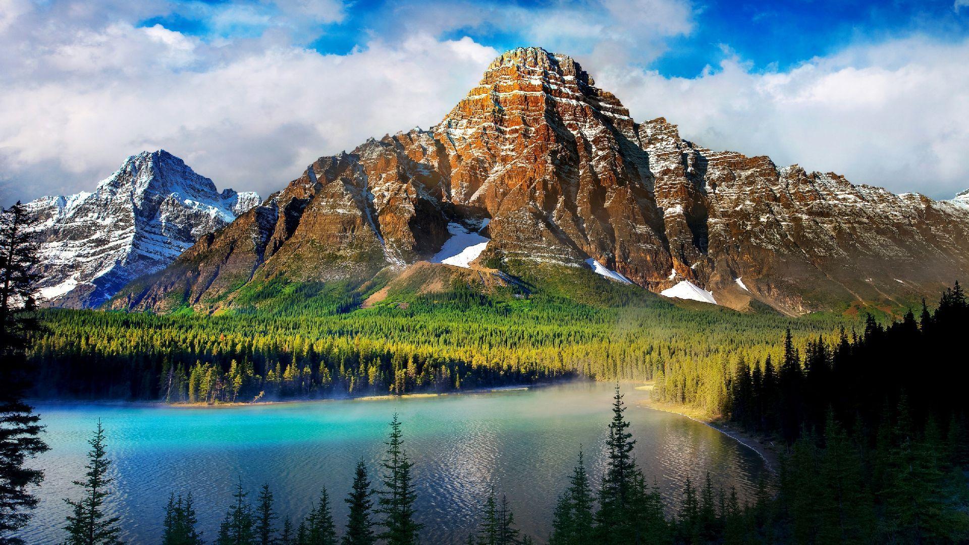 The Beautiful Scenery Of Mountain
