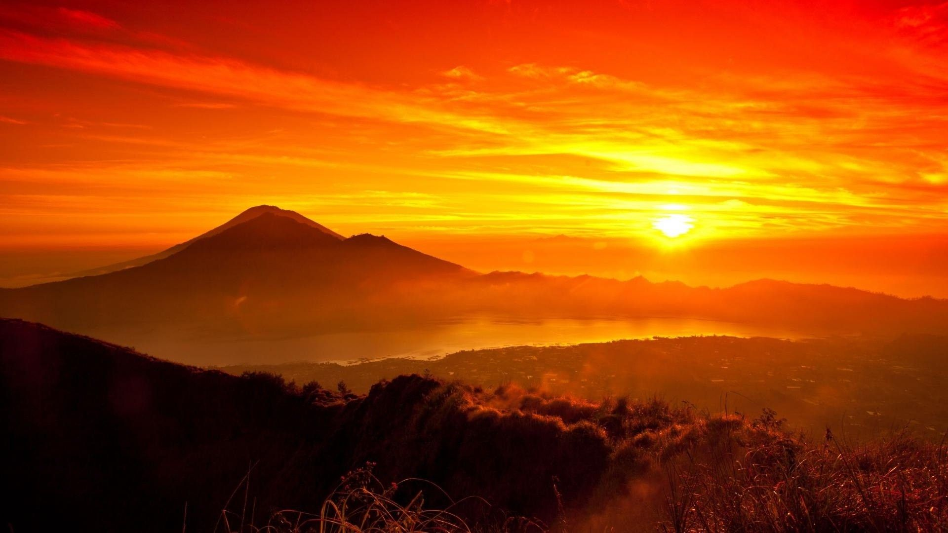 The Sun In The Mountains Pictures