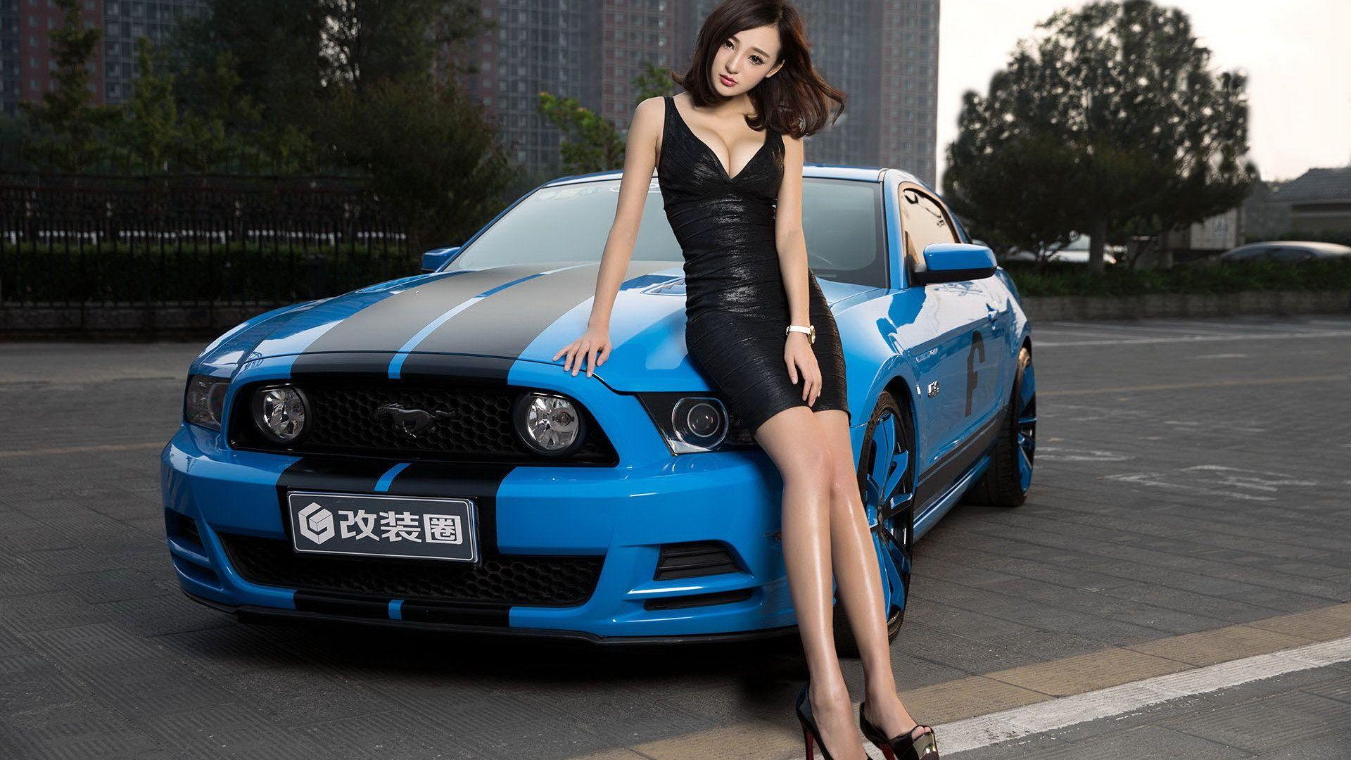 Car Girl wallpaper picture