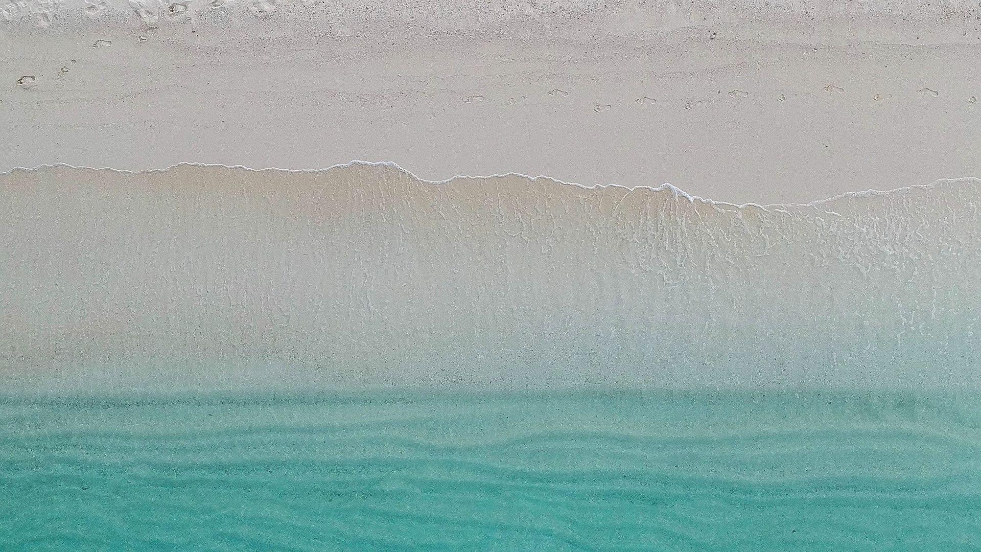 Macbook Air wallpaper 1080p