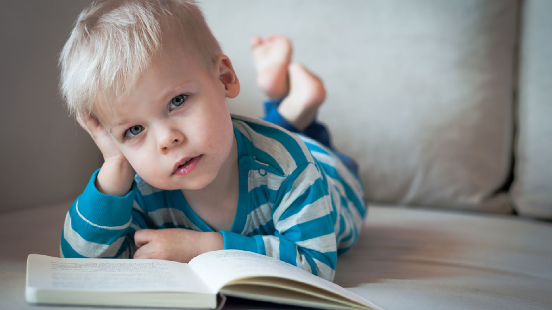 Note To Baby In Book wallpaper and themes