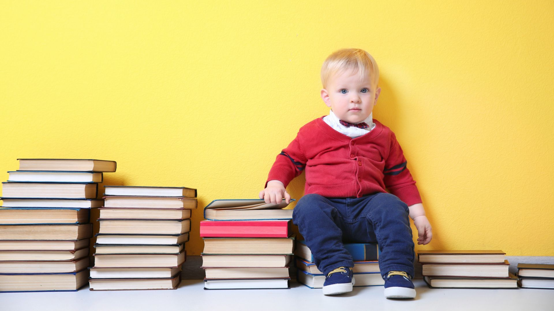 Note To Baby In Book High Definition