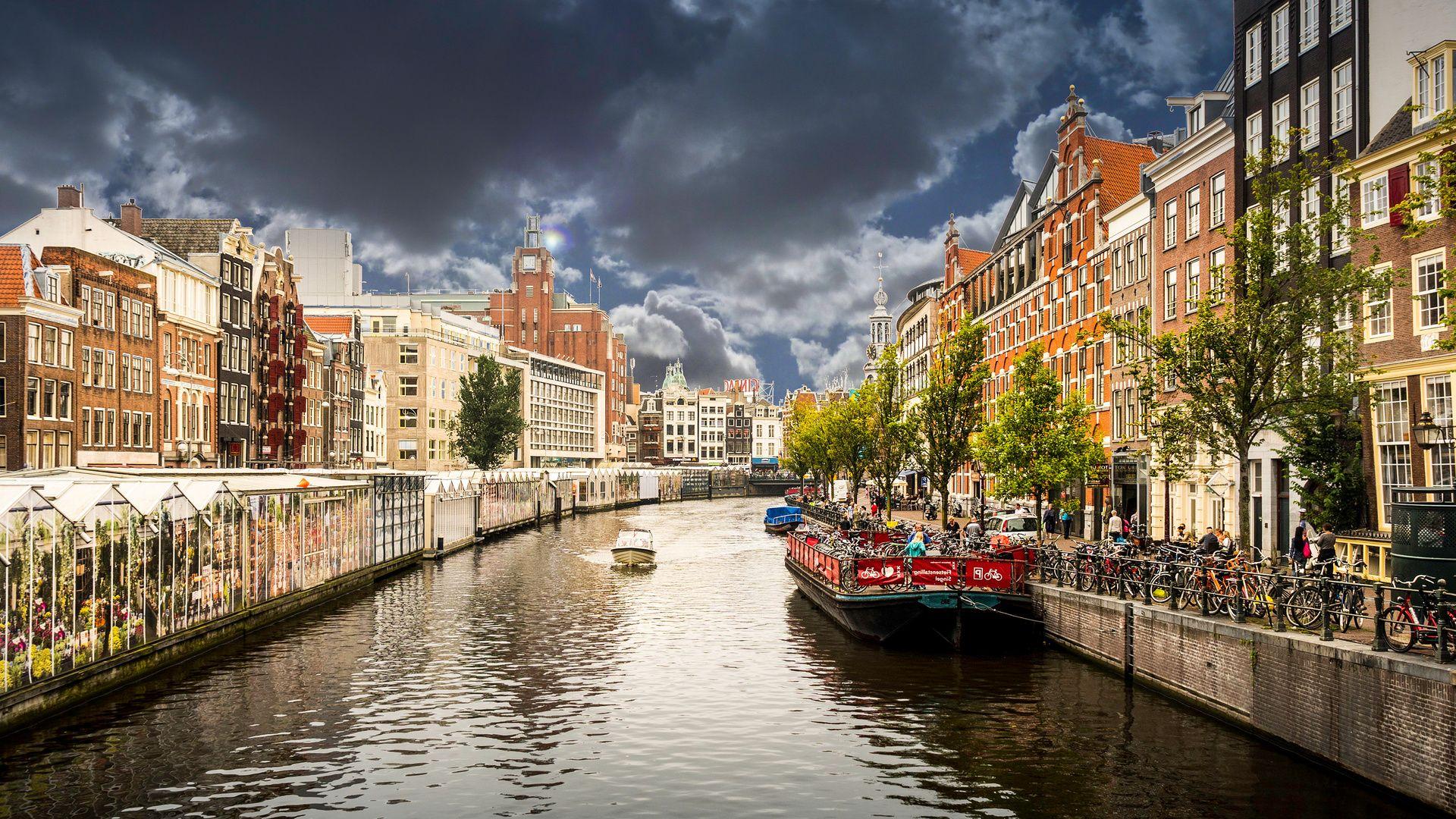 Amsterdam Free Desktop Wallpaper