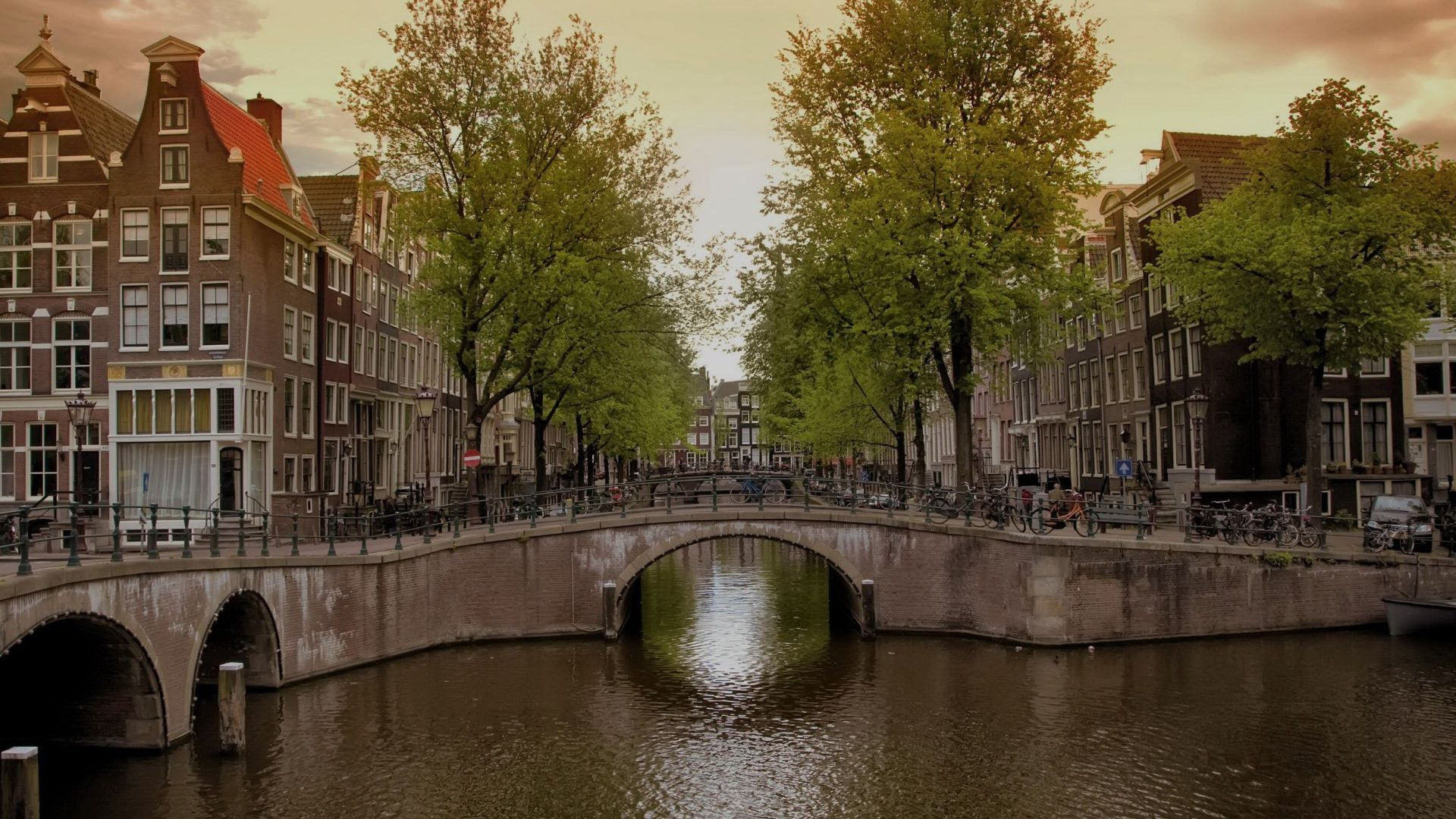 Amsterdam Full HD Wallpaper