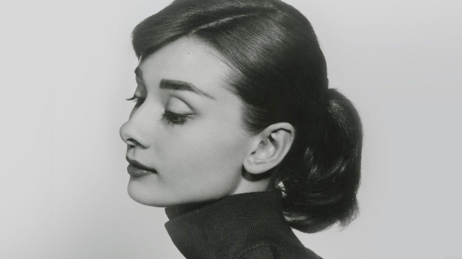 Audrey Hepburn download nice wallpaper