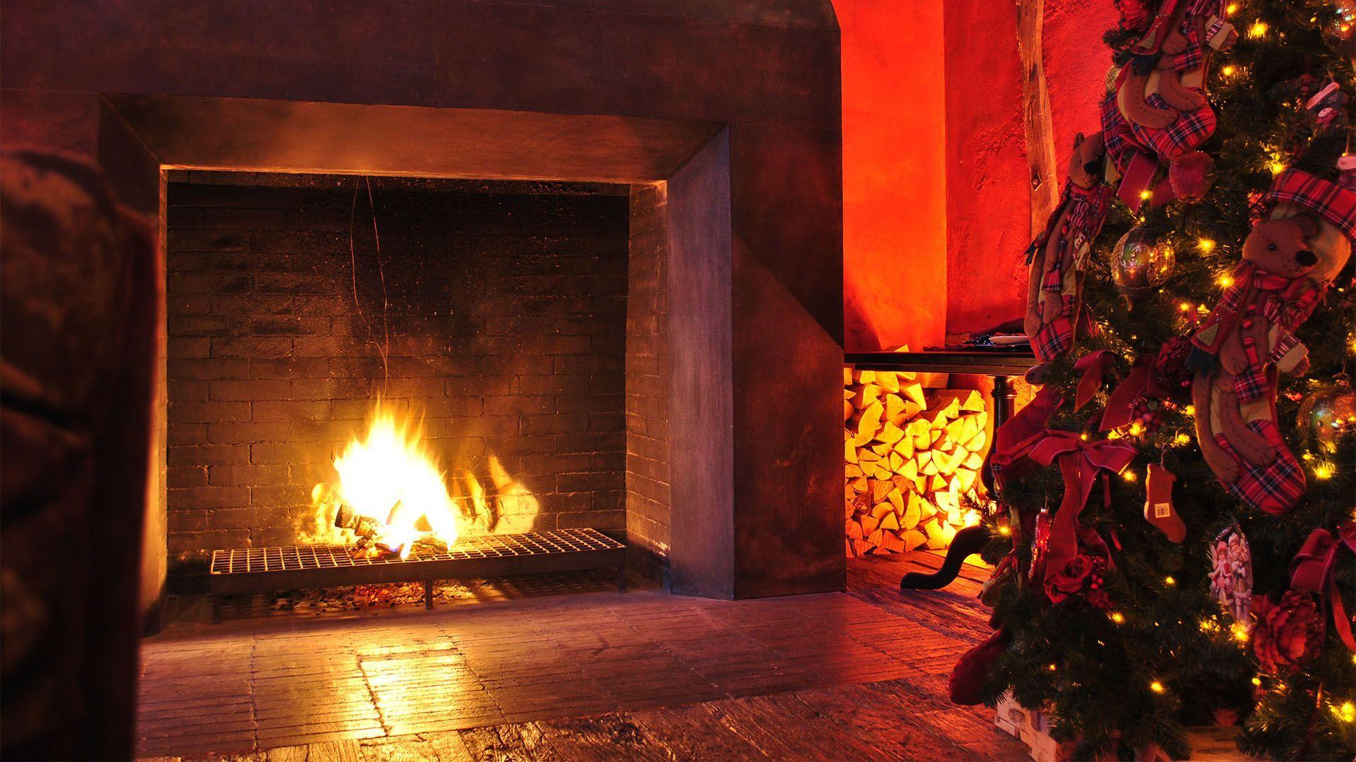 Christmas Fireplace Comfort High Definition