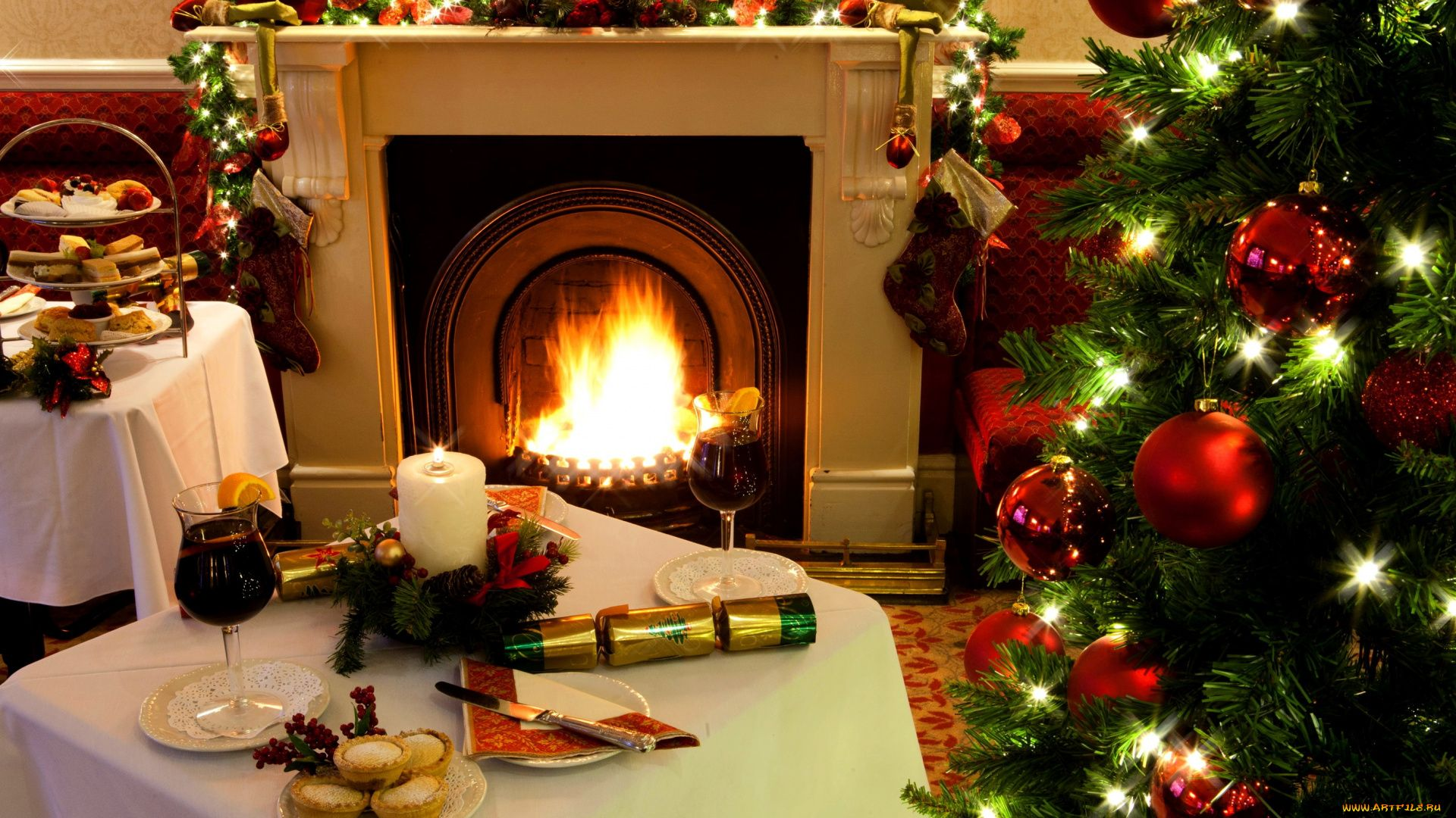 Christmas Fireplace Comfort a wallpaper