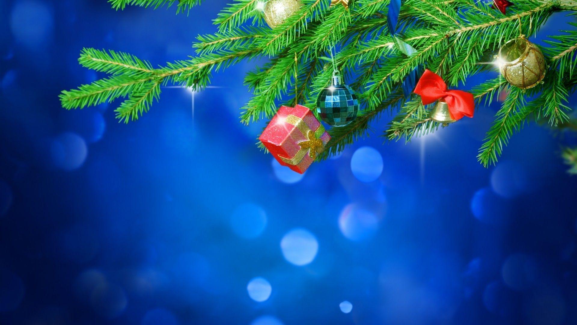Christmas Tree vertical wallpaper hd