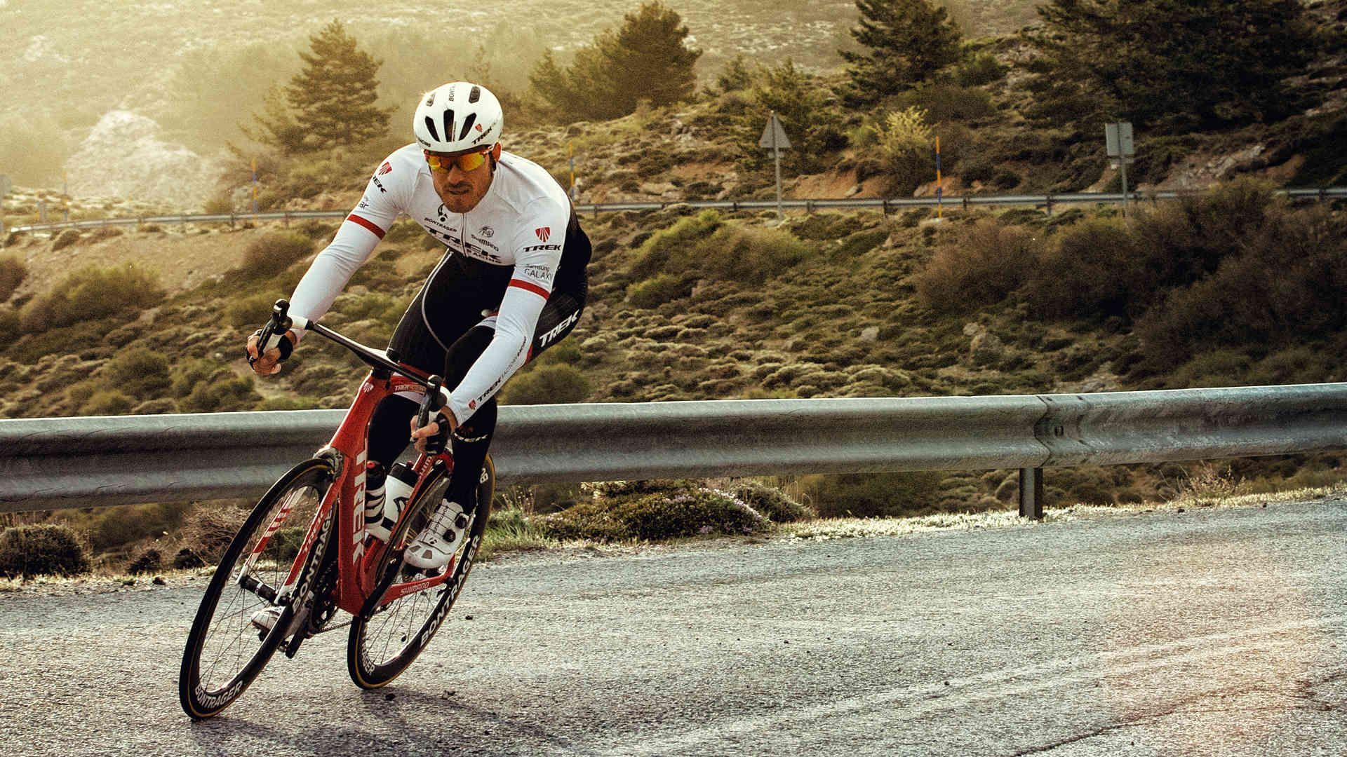 Cycling Free Download Wallpaper