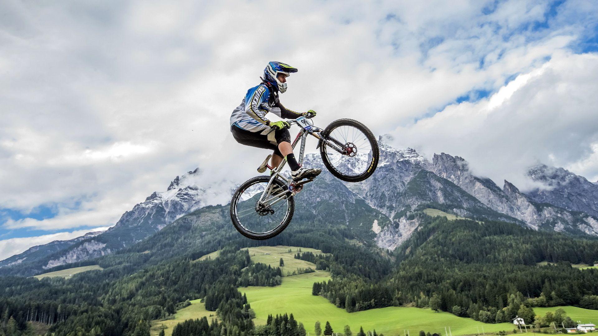 Cycling screen wallpaper