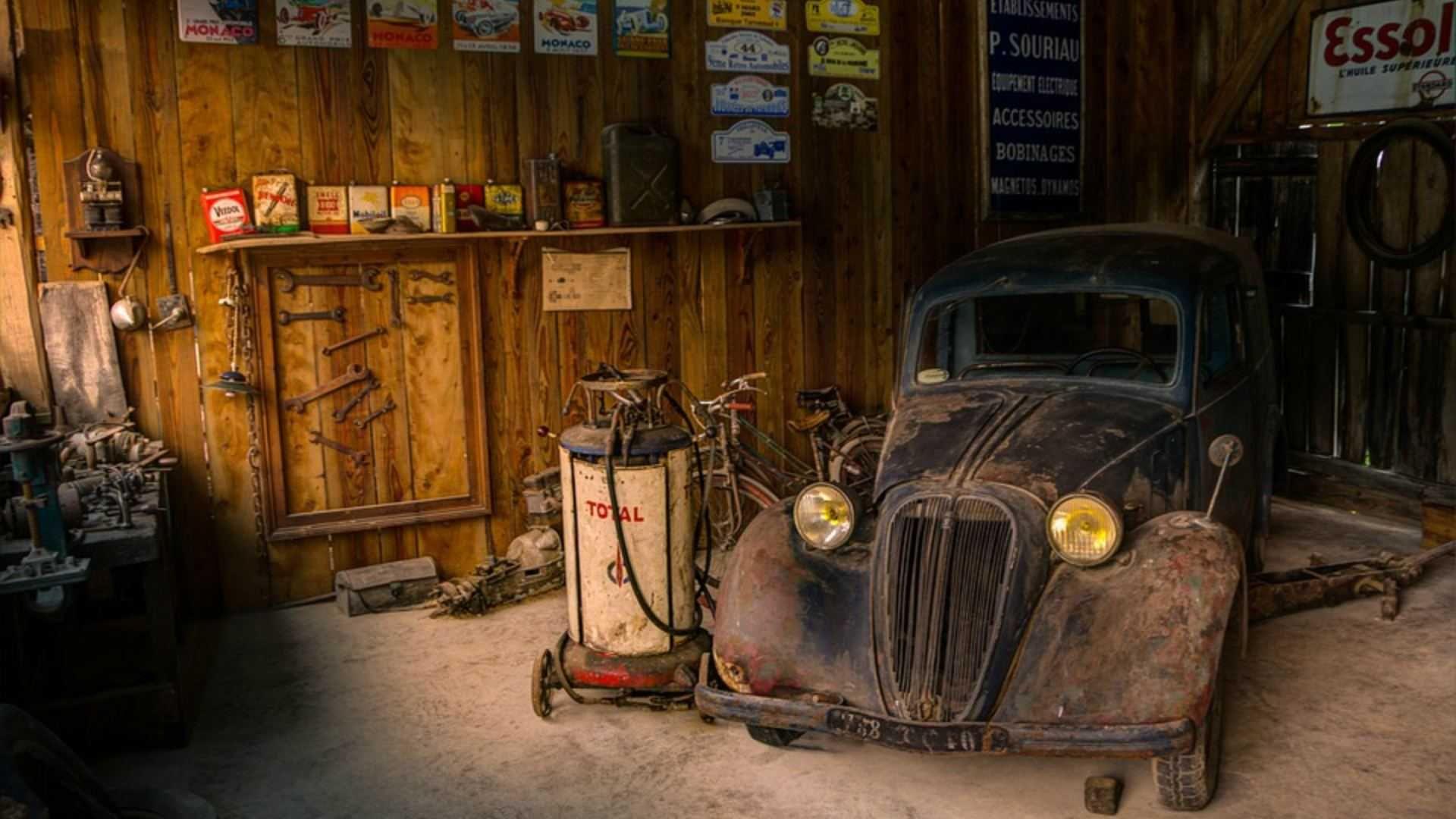 Garage Background