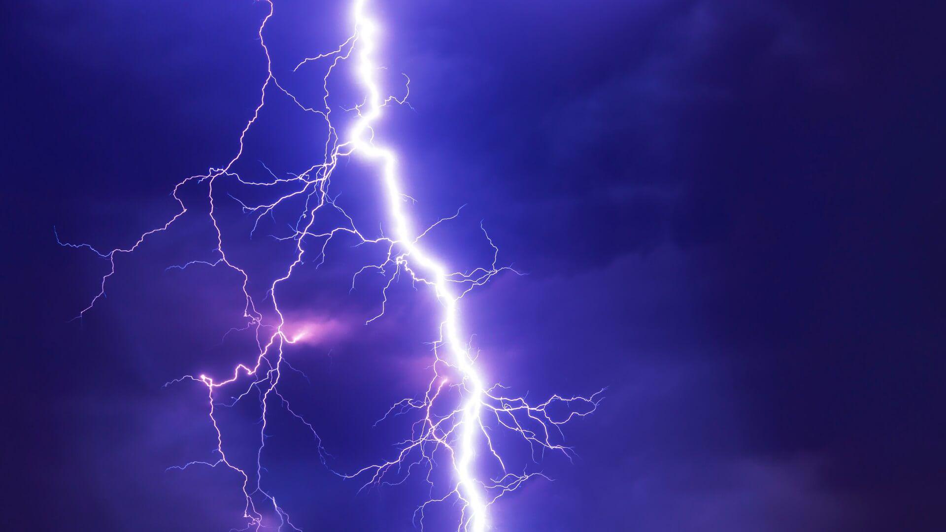 Lightning Bolt Nice Wallpaper