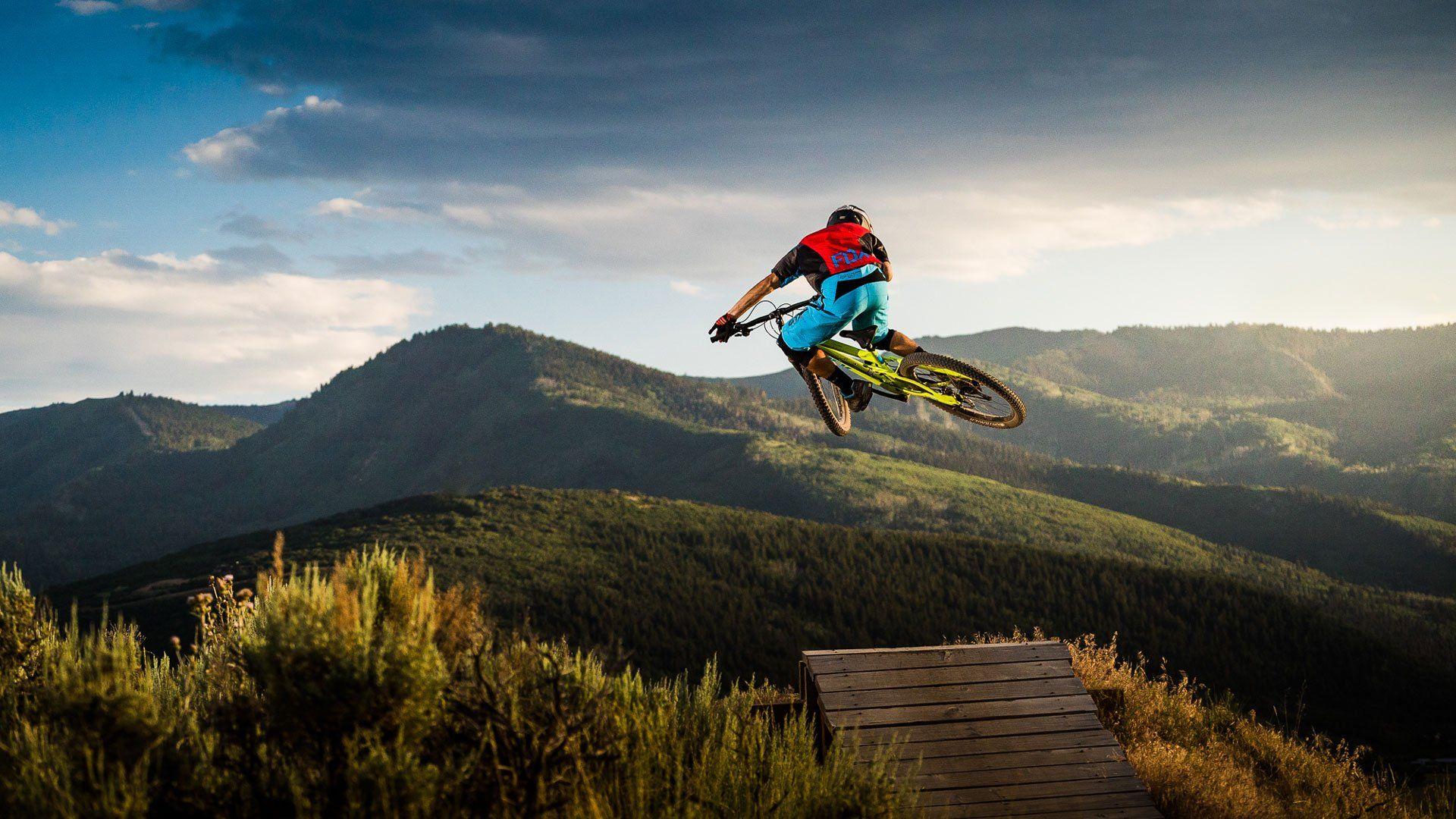 Mountain Bike desktop wallpaper download