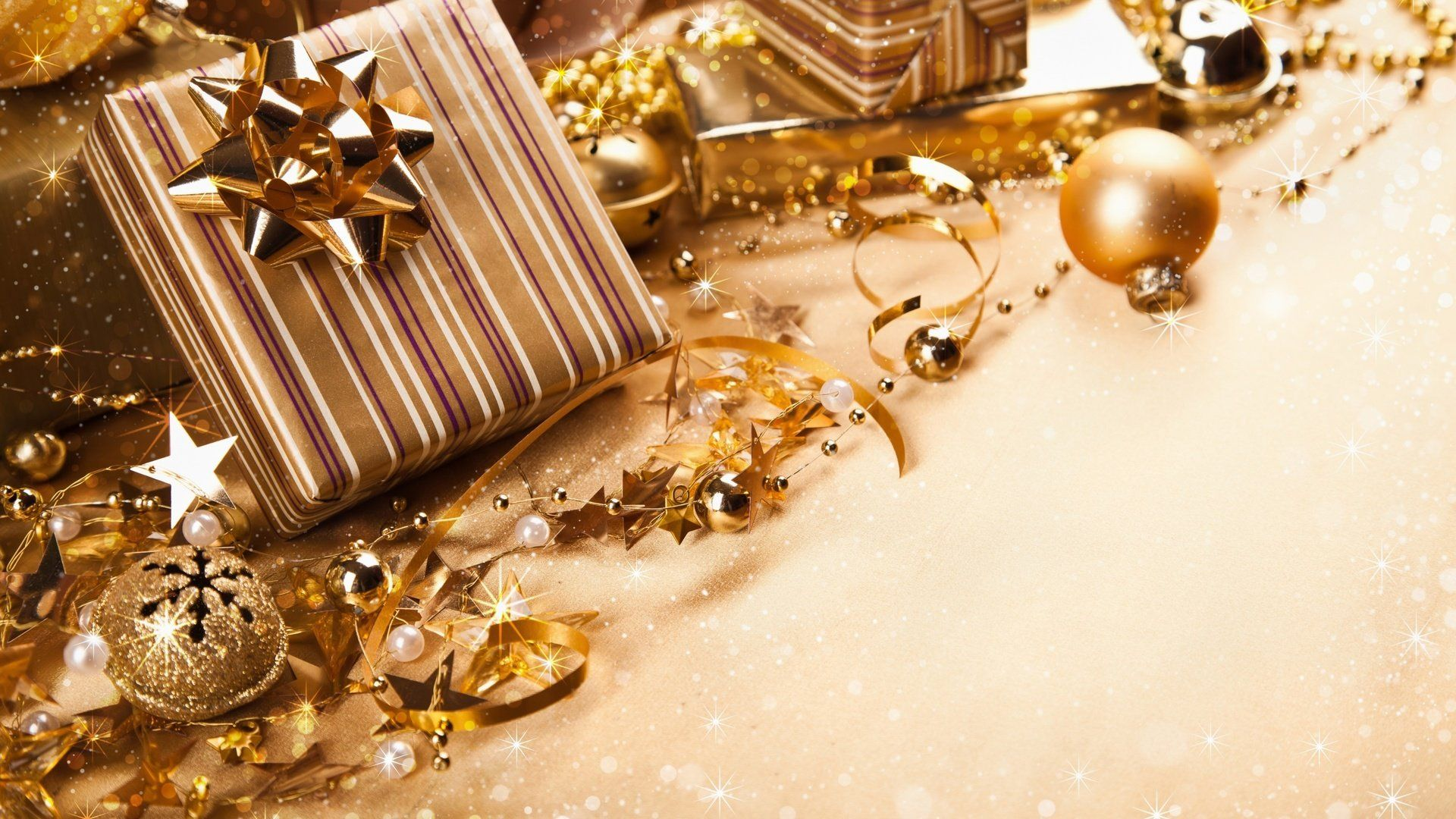 New Year Gifts download wallpaper image