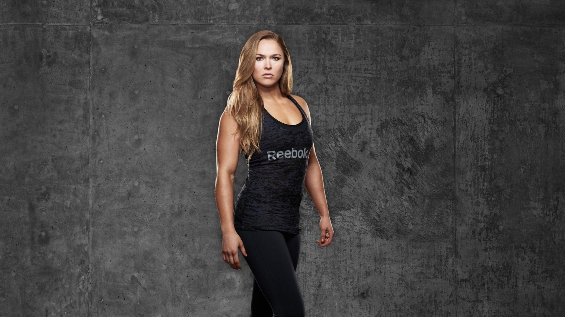 Ronda Rousey a wallpaper