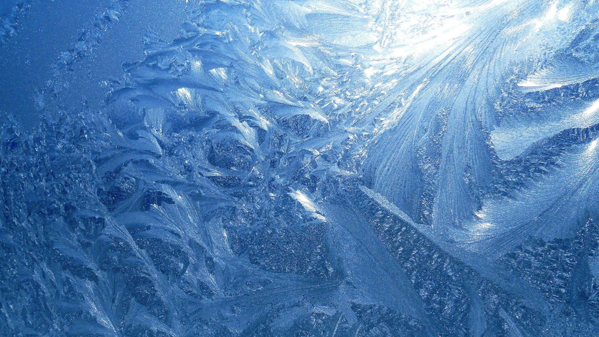 Winter Patterns On The Window Free Wallpaper