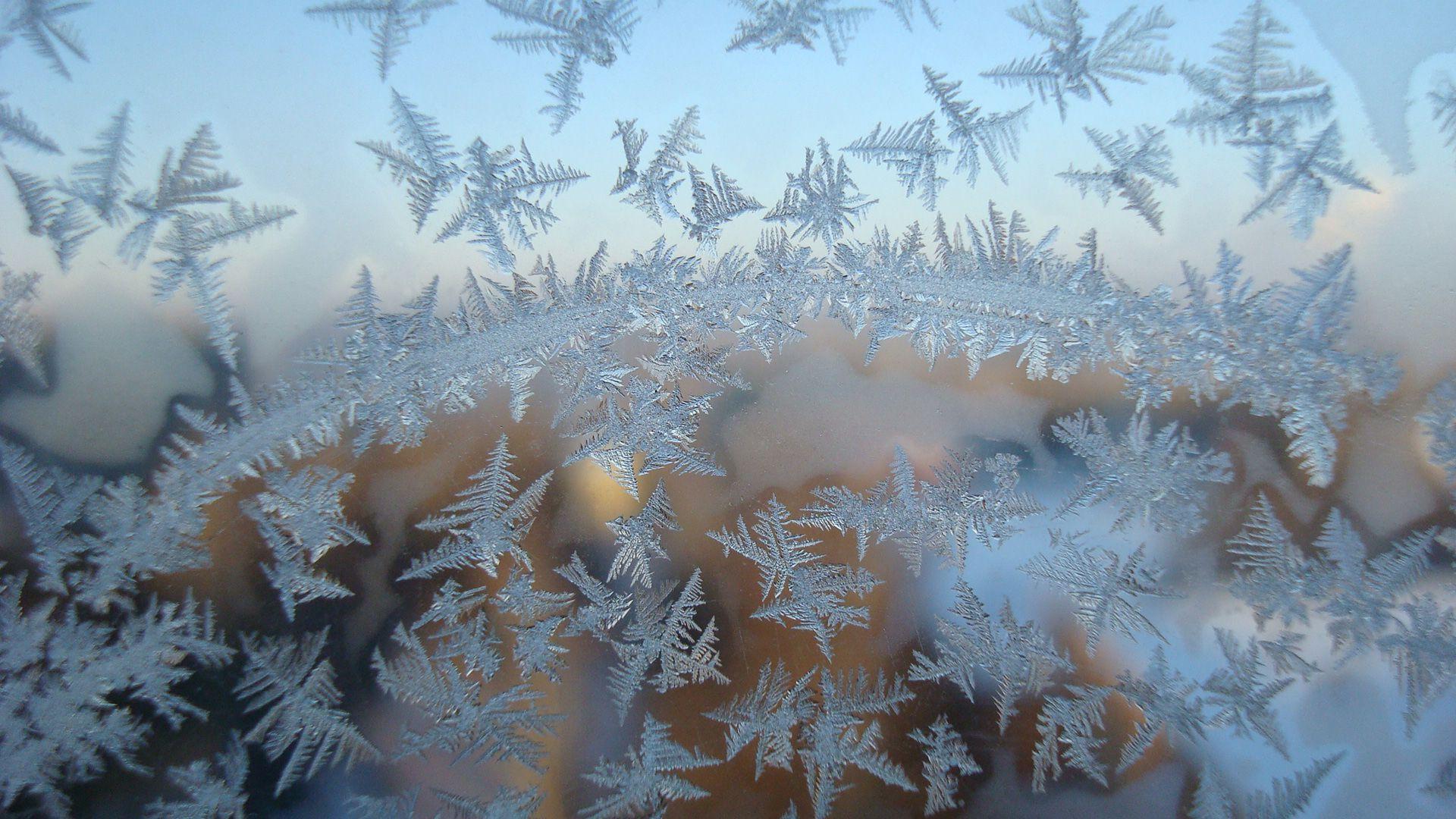 Winter Patterns On The Window hd wallpaper for laptop