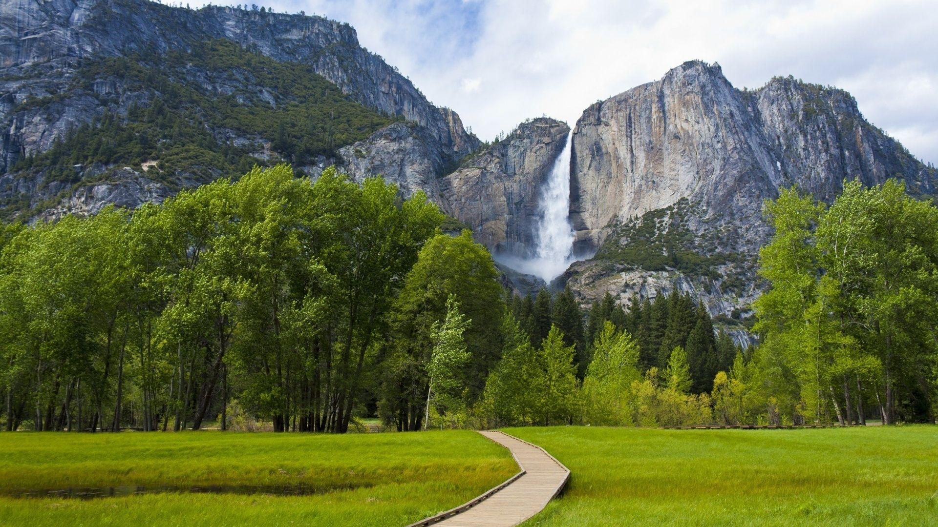 Yosemite full wallpaper
