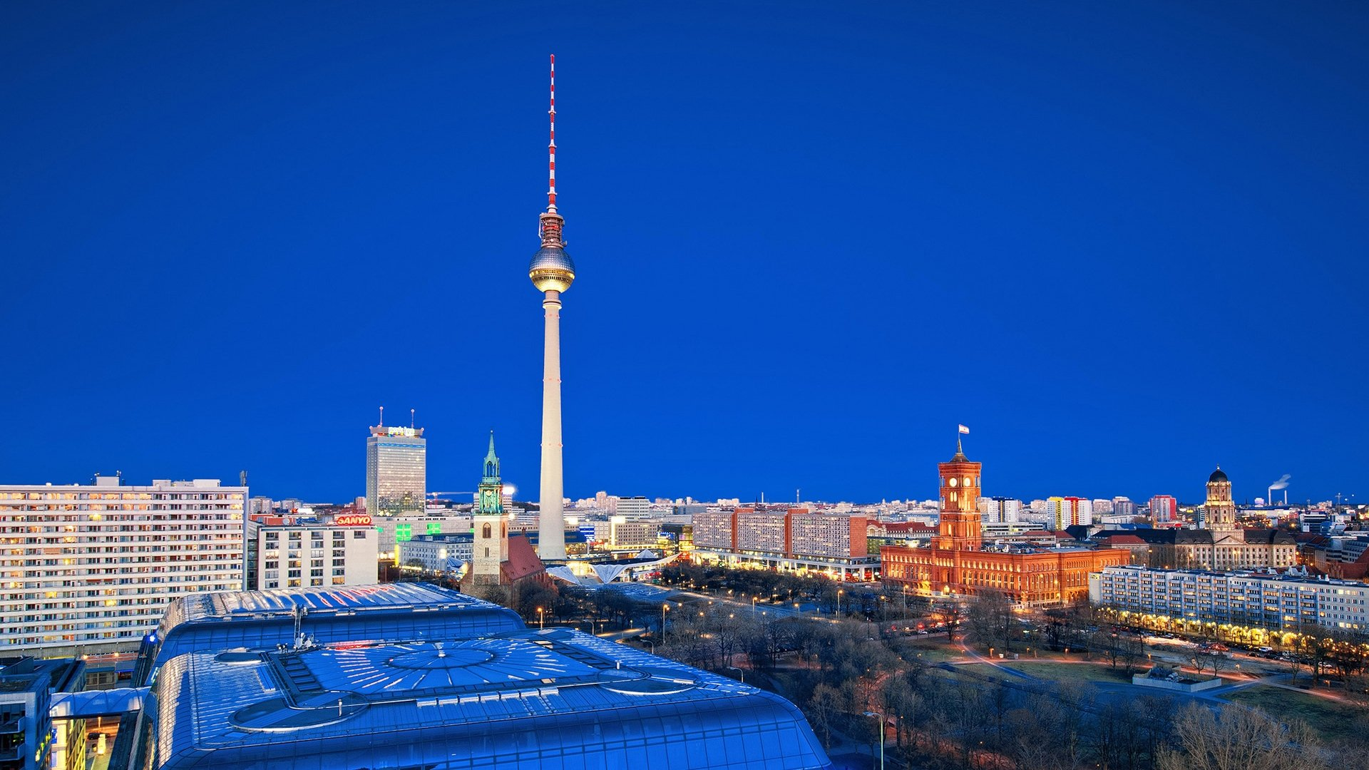Berlin full screen hd wallpaper