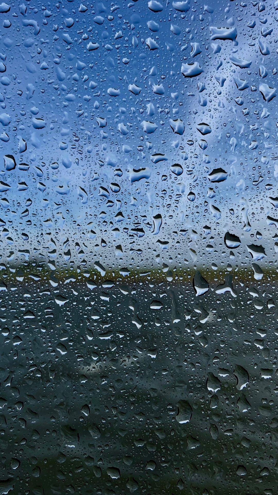 Rain iOS 8 wallpaper