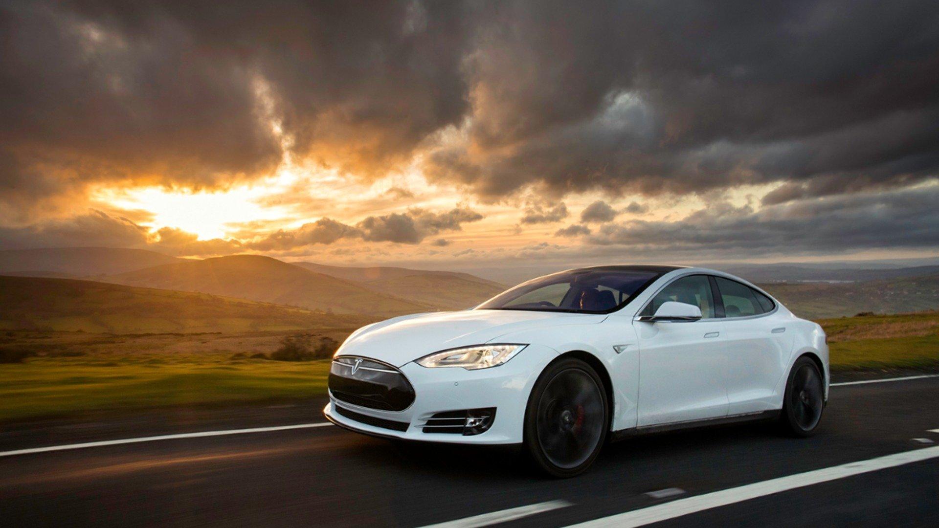 Tesla HD Download